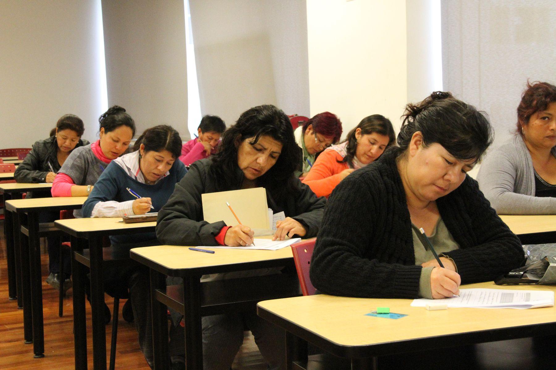 Resultado de imagen para profesores examenes