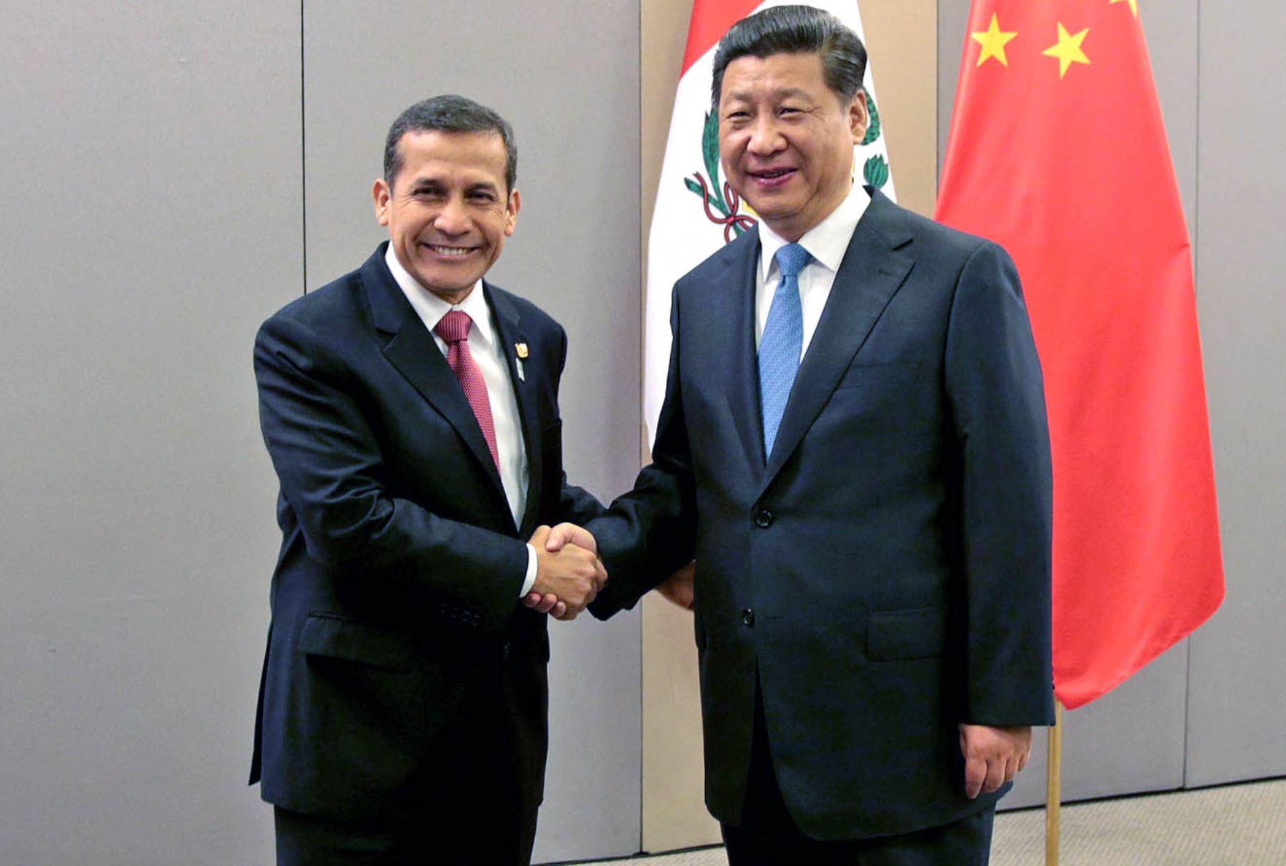 El Presidente peruano Ollanta Humala Tasso con su par de la República Popular China, Xi Jinping ANDINA/Prensa Presidencia