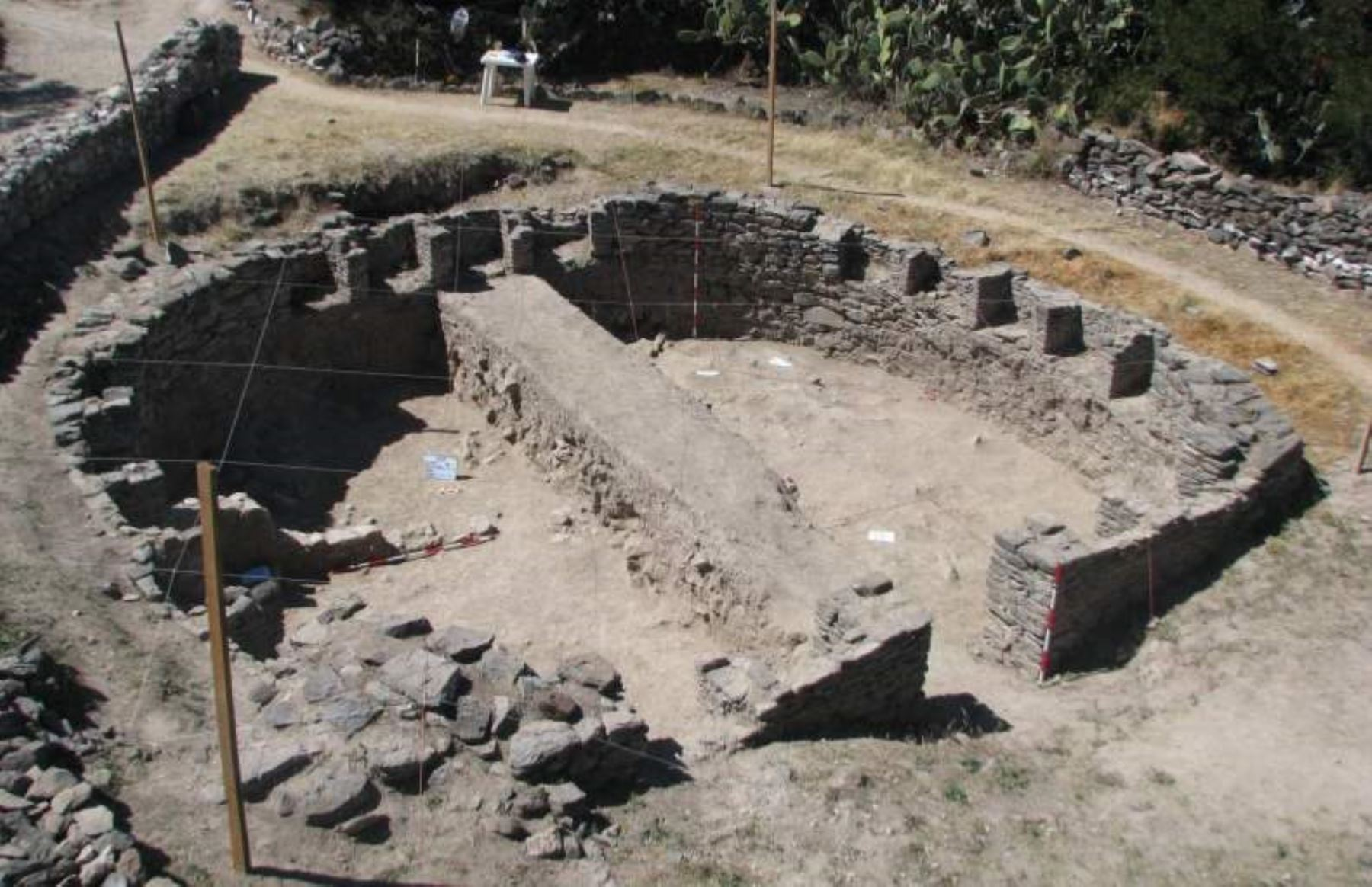 New archaeological finds uncovered at Wari complex in Peru.