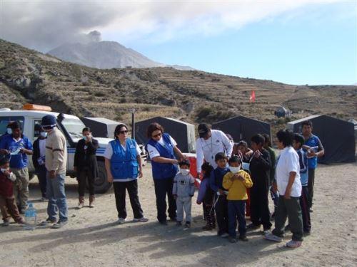 COER Arequipa distribuirá también mascarillas y lentes protectores a pobladores de distrito de San Juan de Tarucani para prevenir impacto del volcán Ubinas. ANDINA/Archivo