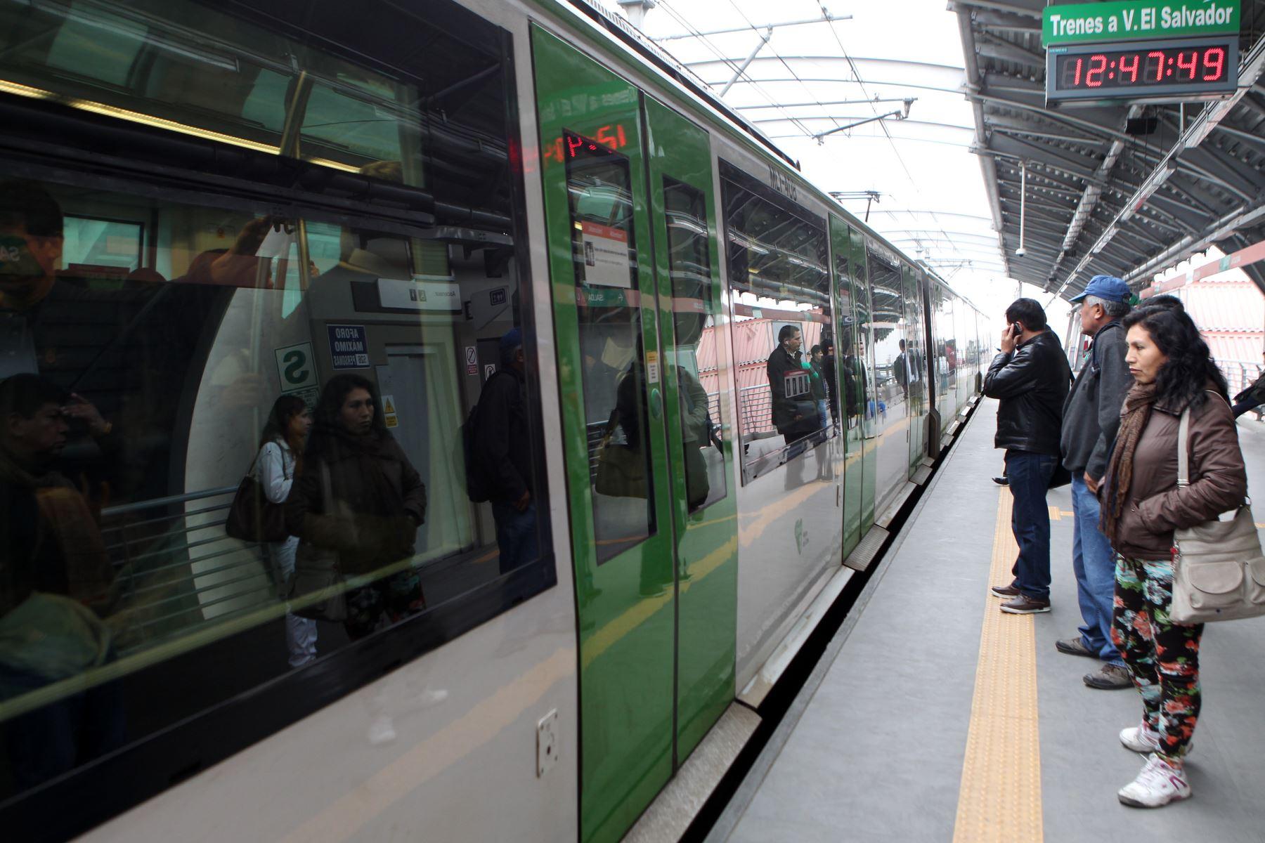 LIMA PERÚ, JULIO 31. Tren eléctrico, metro de Lima San Juan de Lurigancho. Foto: ANDINA/Melina Mejia