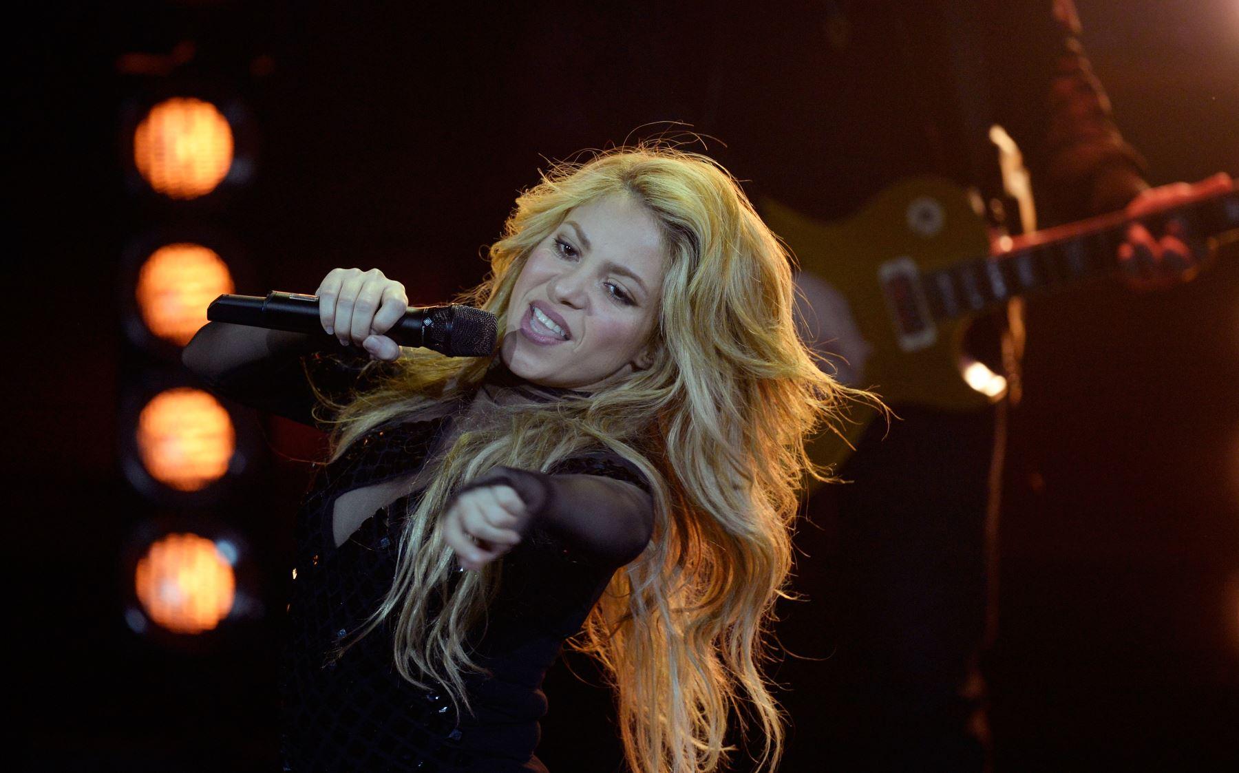 """Shakira lanzal \""""himno bailable\"""" titulado \""""Don\'t Wait Up\"""""""