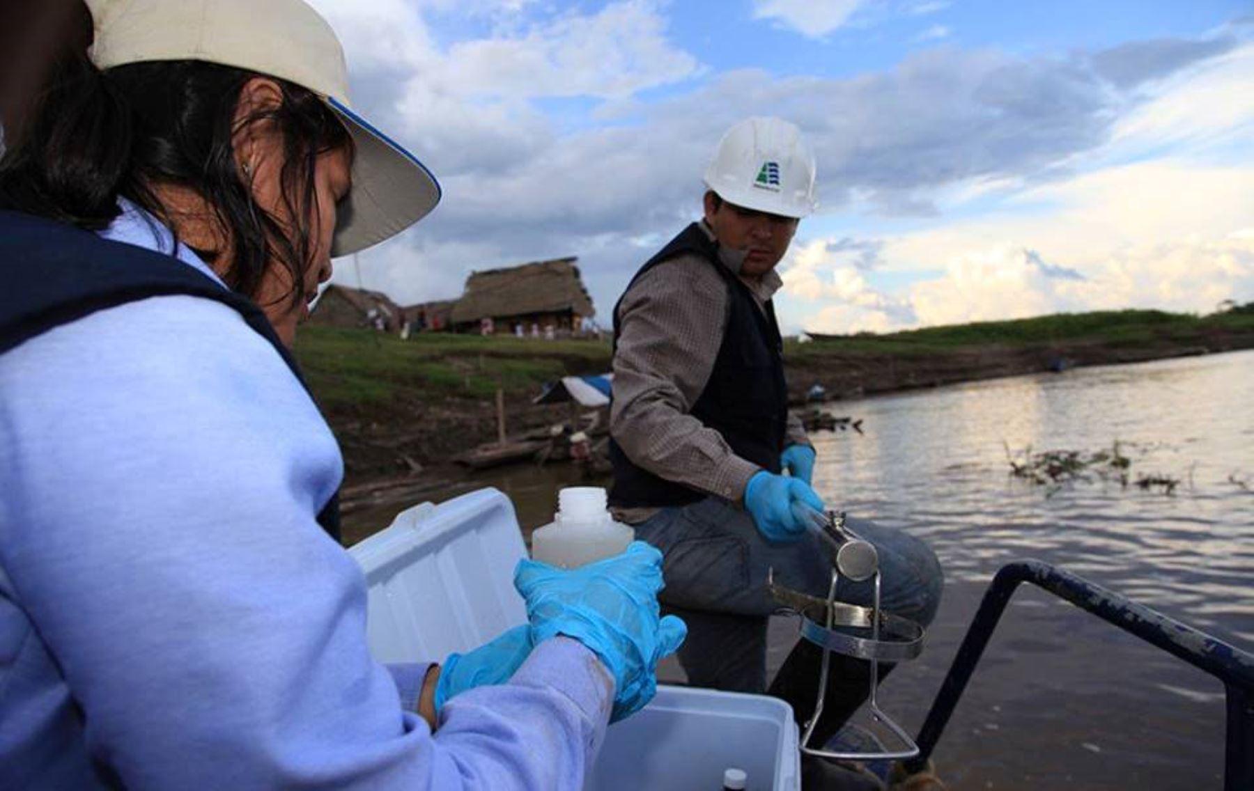 Inspectores de la ANA realizaron monitoreo a las aguas del río Nanay, en Loreto.