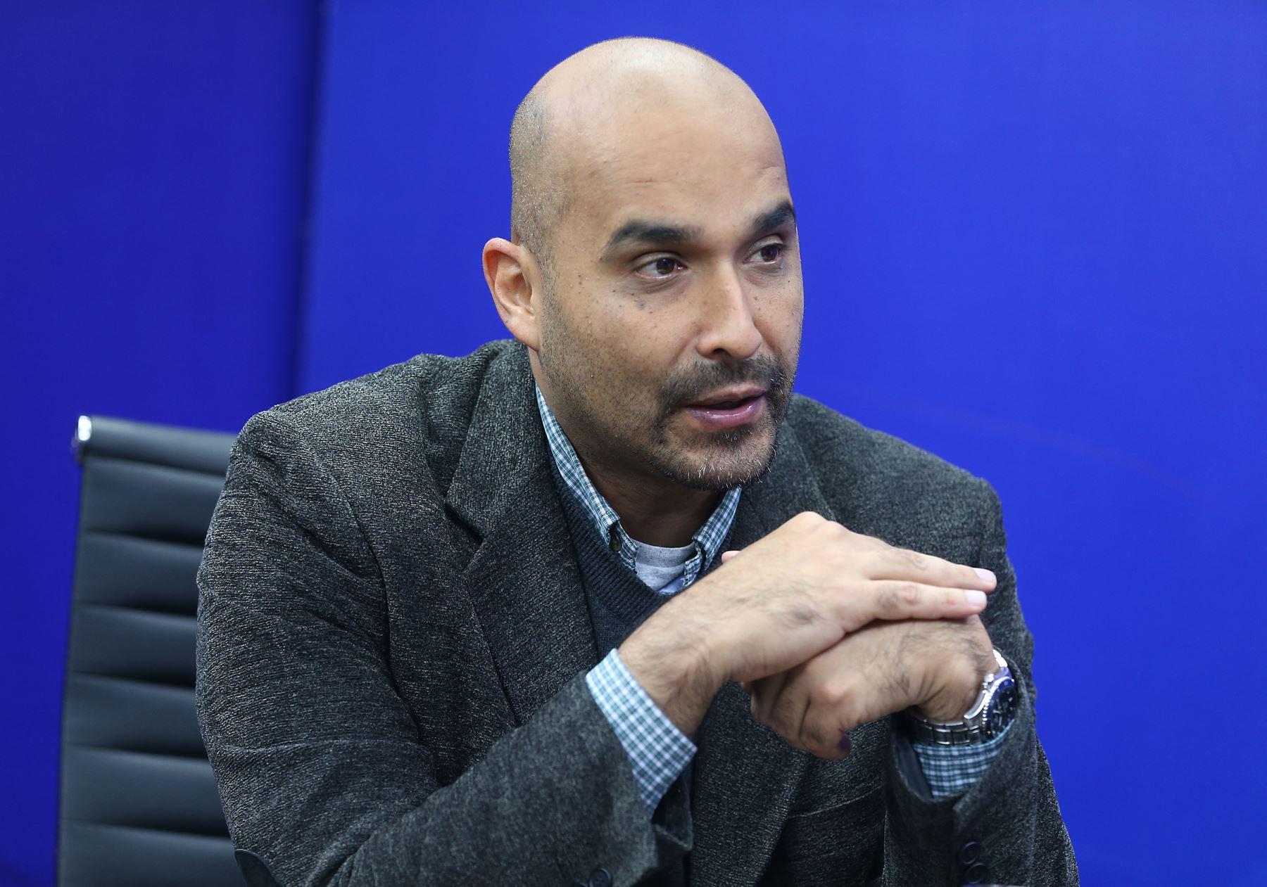 Profesor de finanzas de ESAN, Jorge Guillén. Foto: ANDINA/Vidal Tarqui