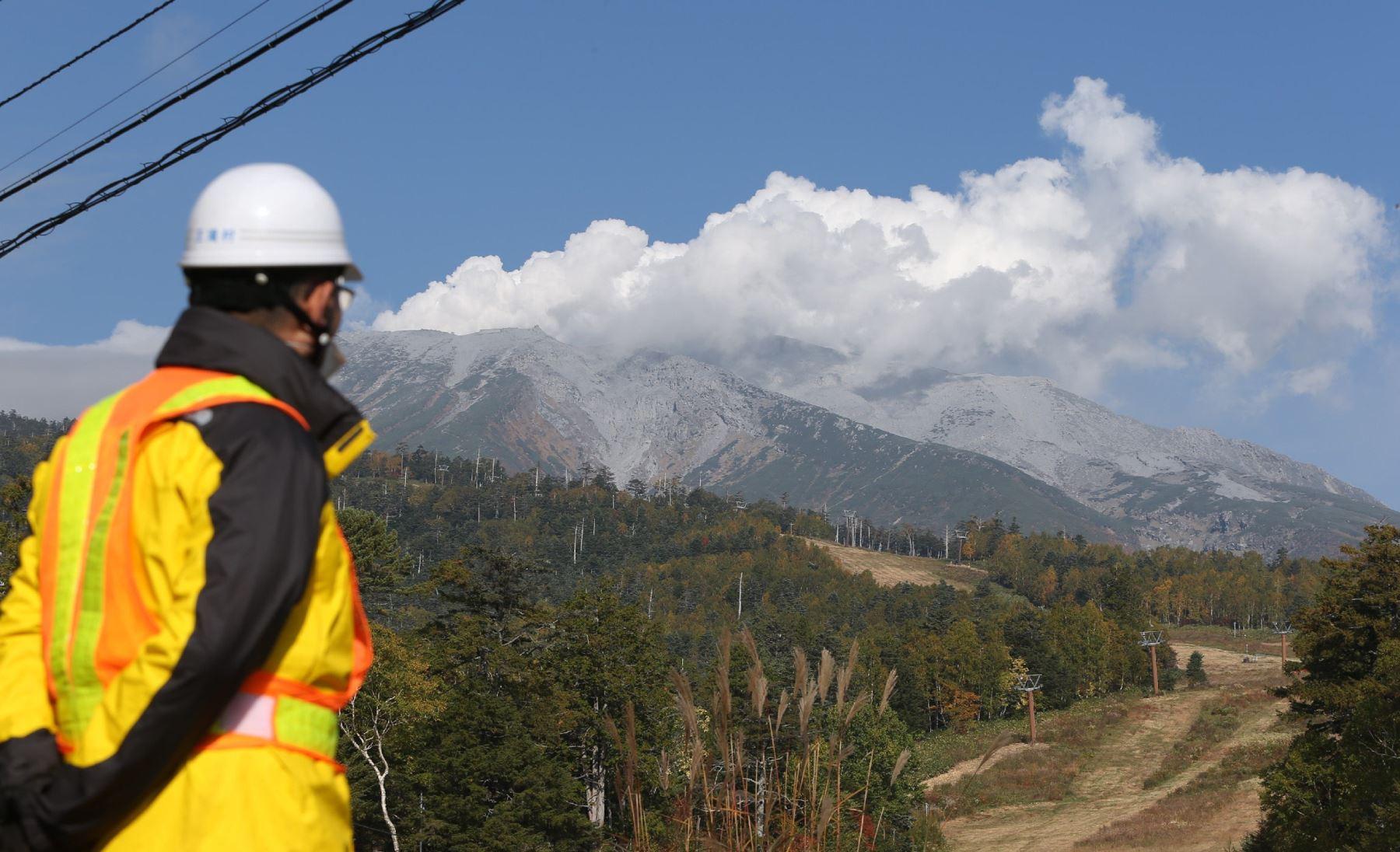 Erupción del volcán Ontake. Foto: AFP.