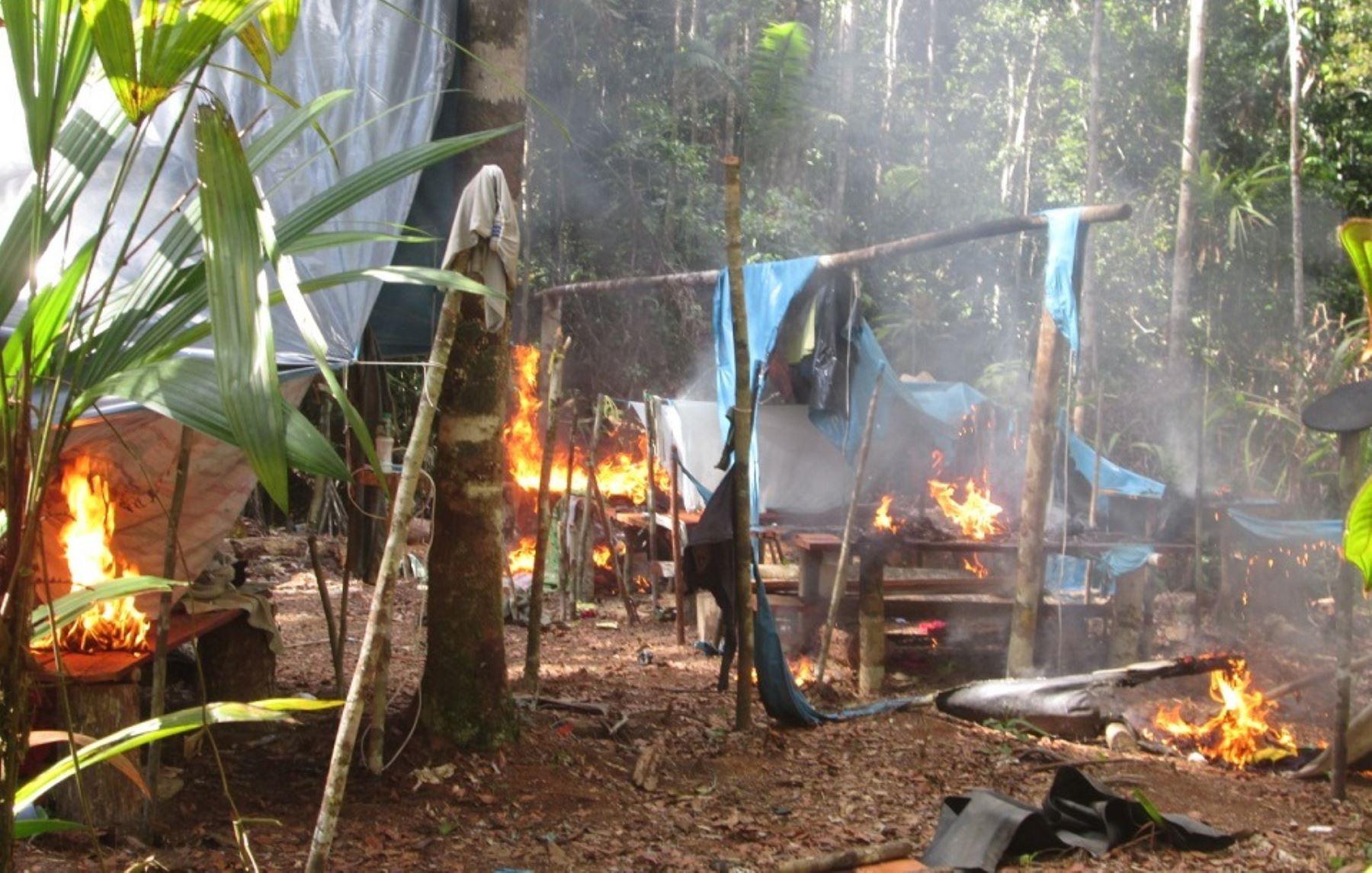 Policía interviene campamento de minería ilegal que operaba en Atalaya, Ucayali.. ANDINA