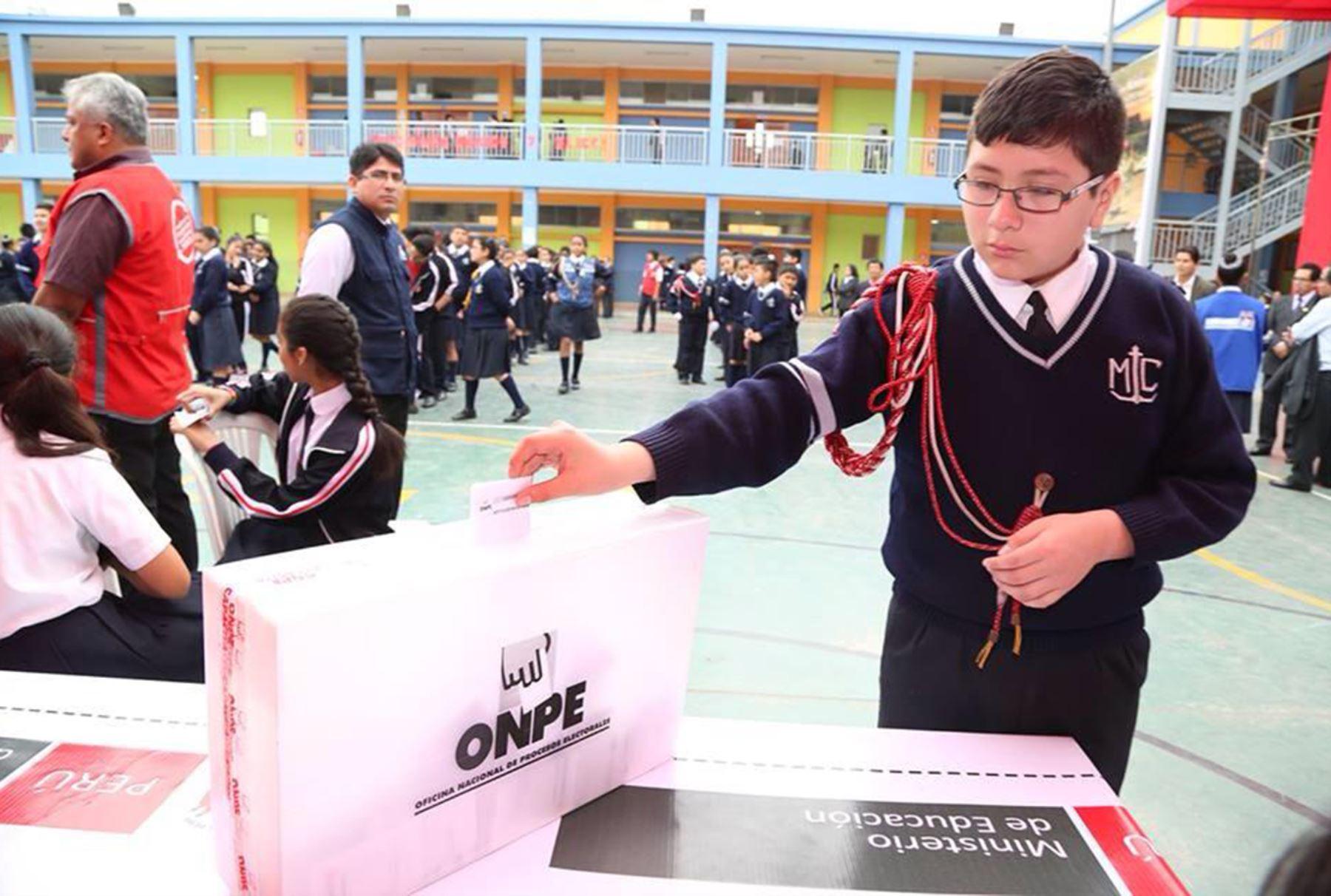 Escolares De Todo El País Votan Para Elegir A Sus Alcaldes Y