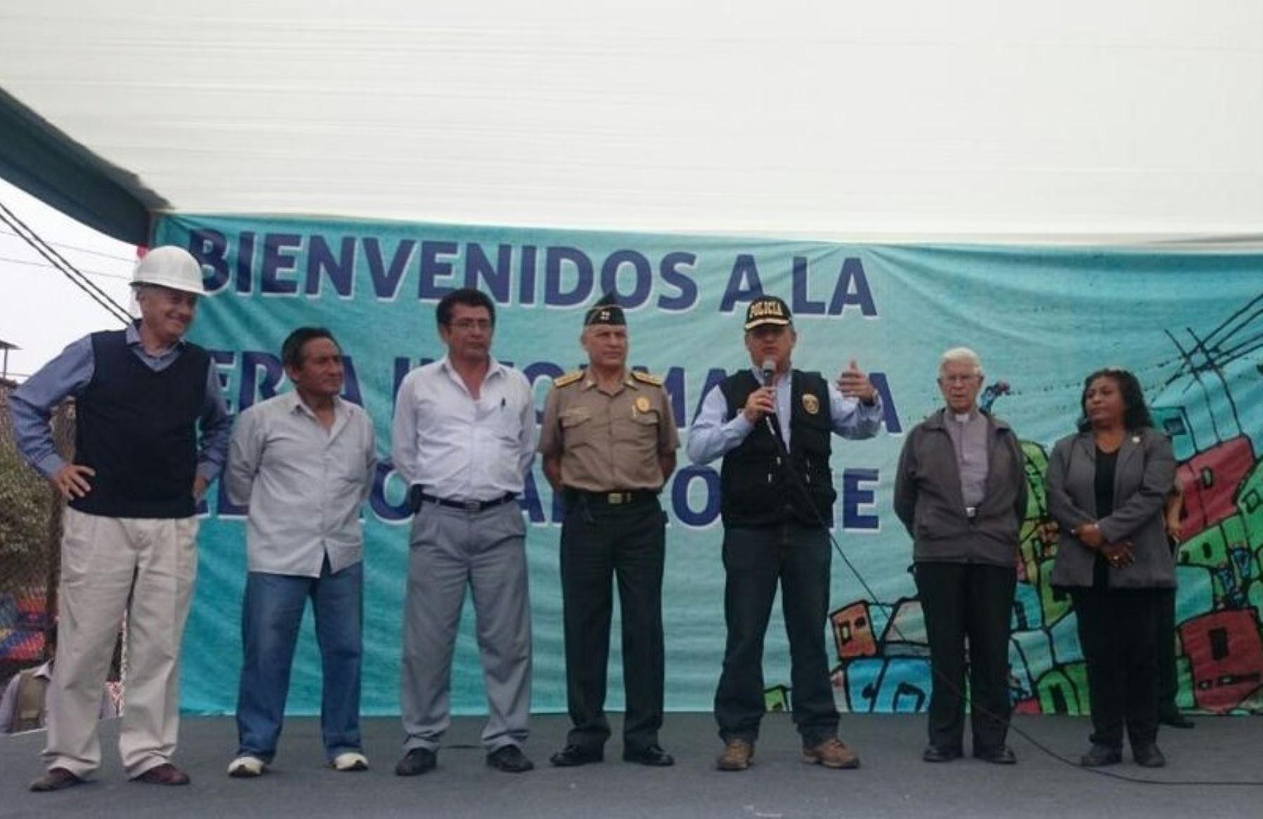 Ministro del Interior Daniel Urresti, participa en feria multisectorial en cerro San Cosme