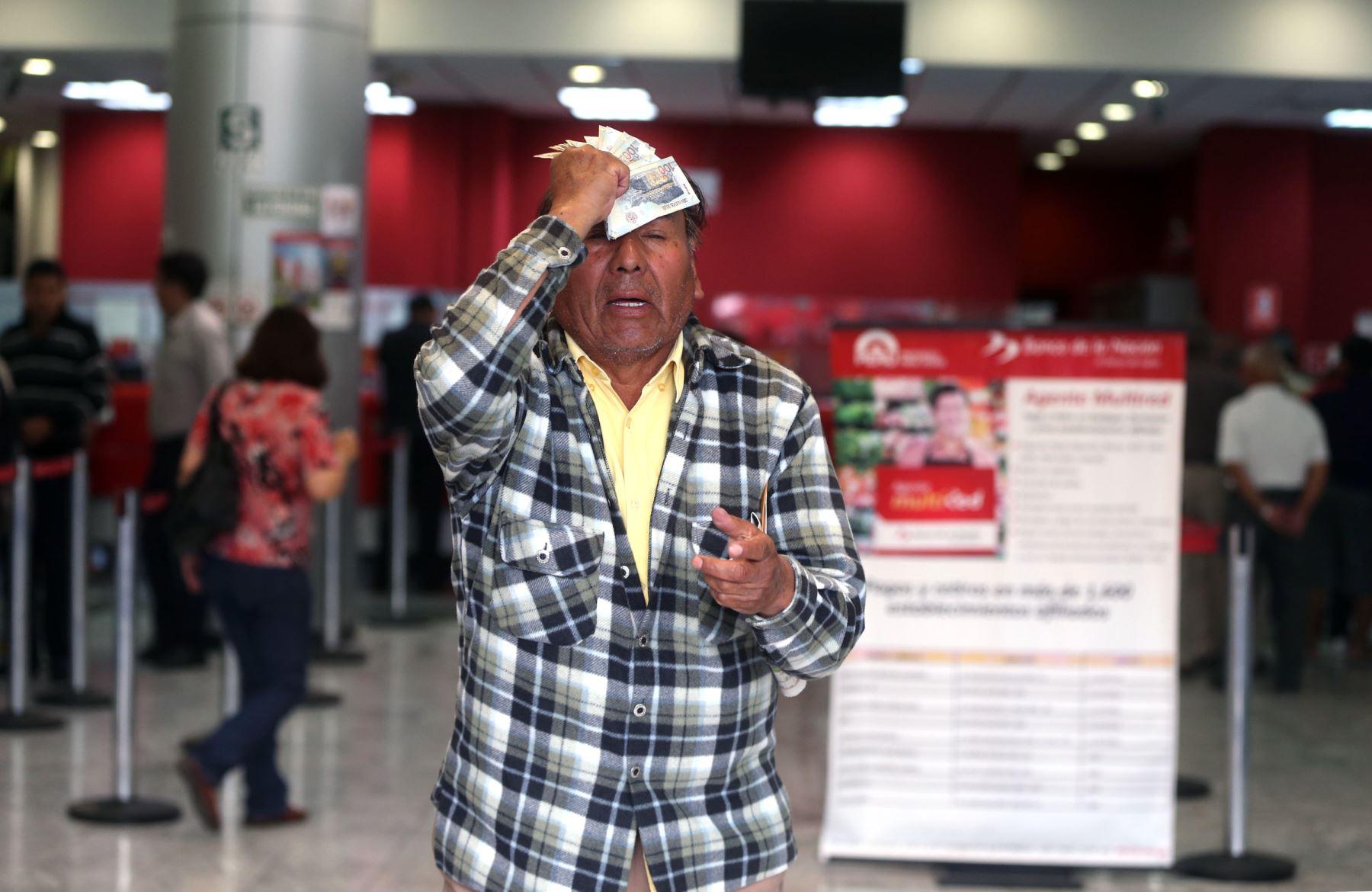 Exfonavista cobra la devolución de sus aportes.Foto:  ANDINA/Vidal Tarqui.