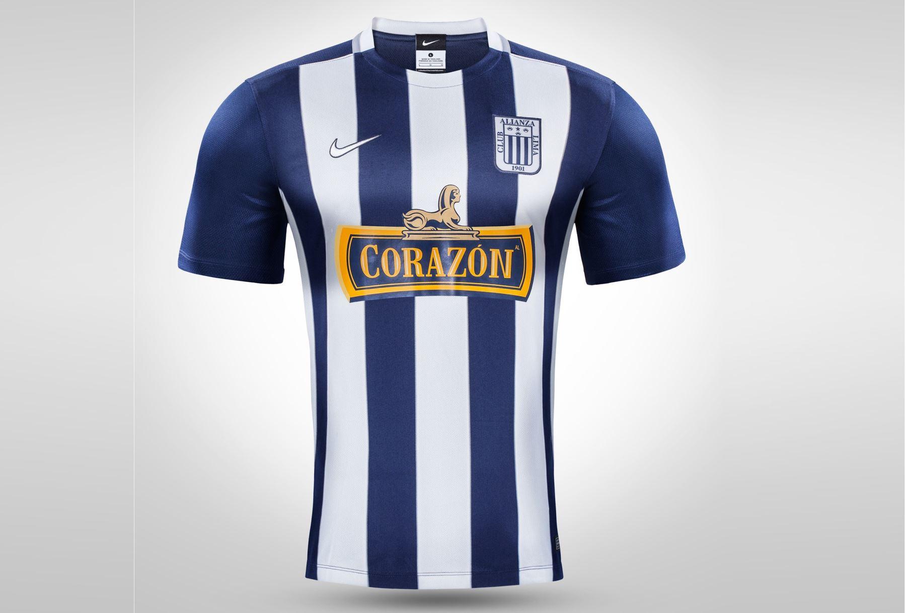 Alianza Lima presentó nueva indumentaria para la temporada 2