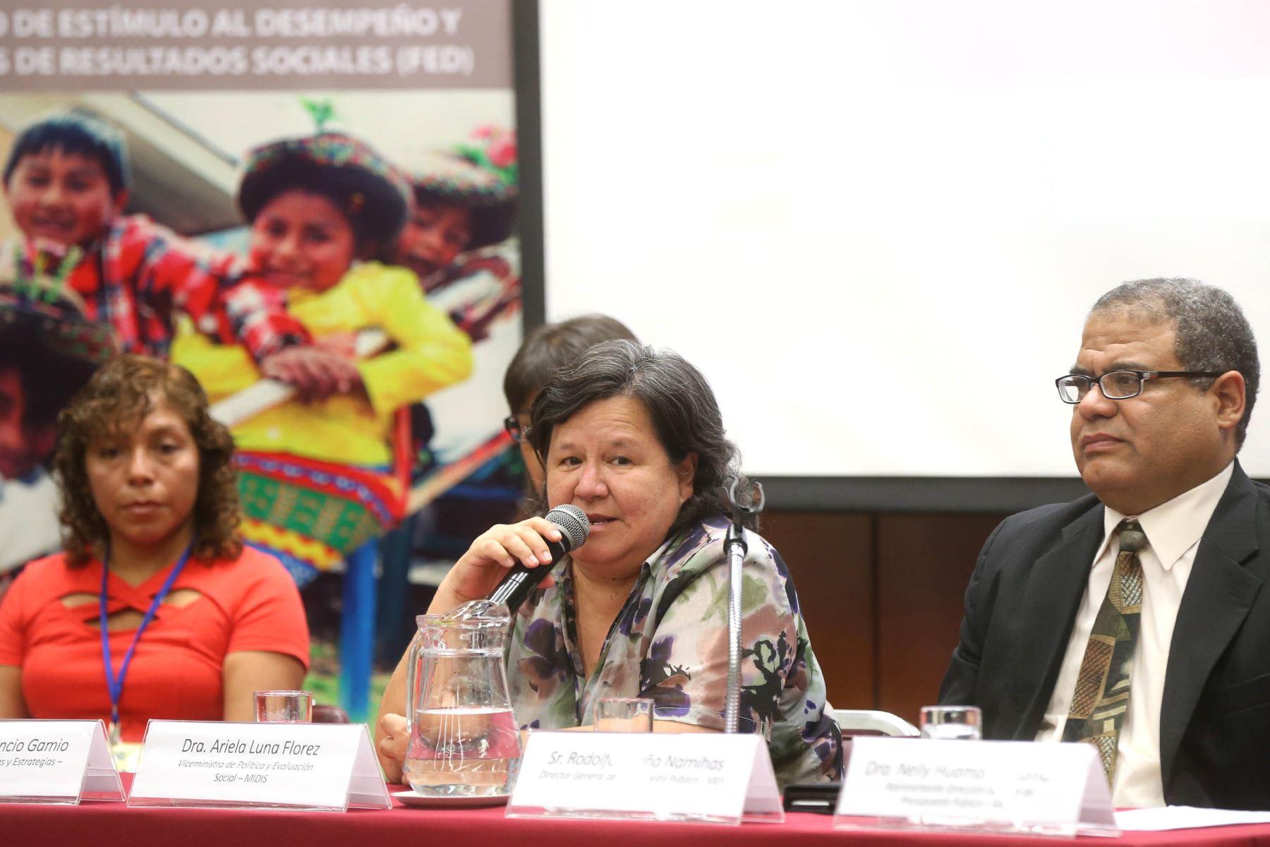 Viceministra de Políticas y Evaluación Social del Midis, Ariela Luna Flórez.