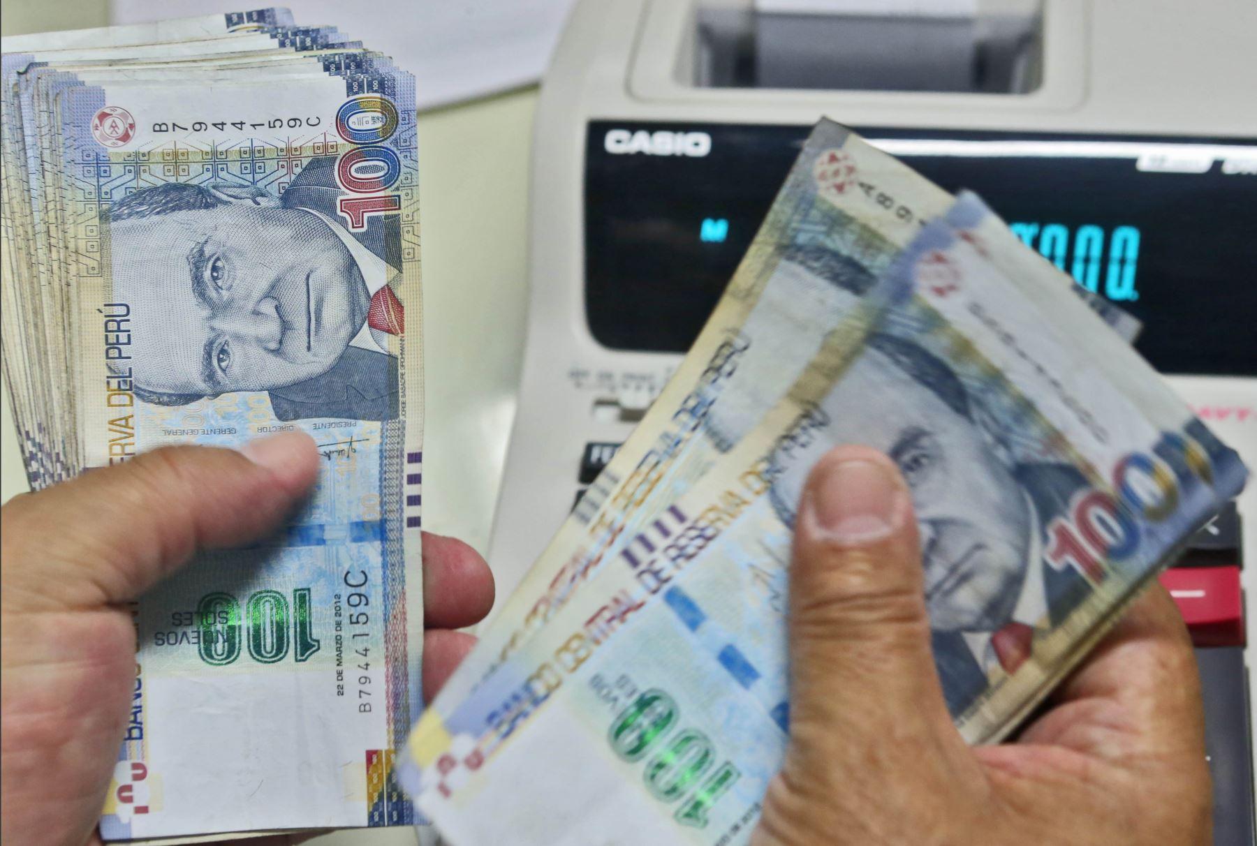 Peruanos dispondrán de más efectivo en sus bolsillos en 2018. ANDINA/archivo