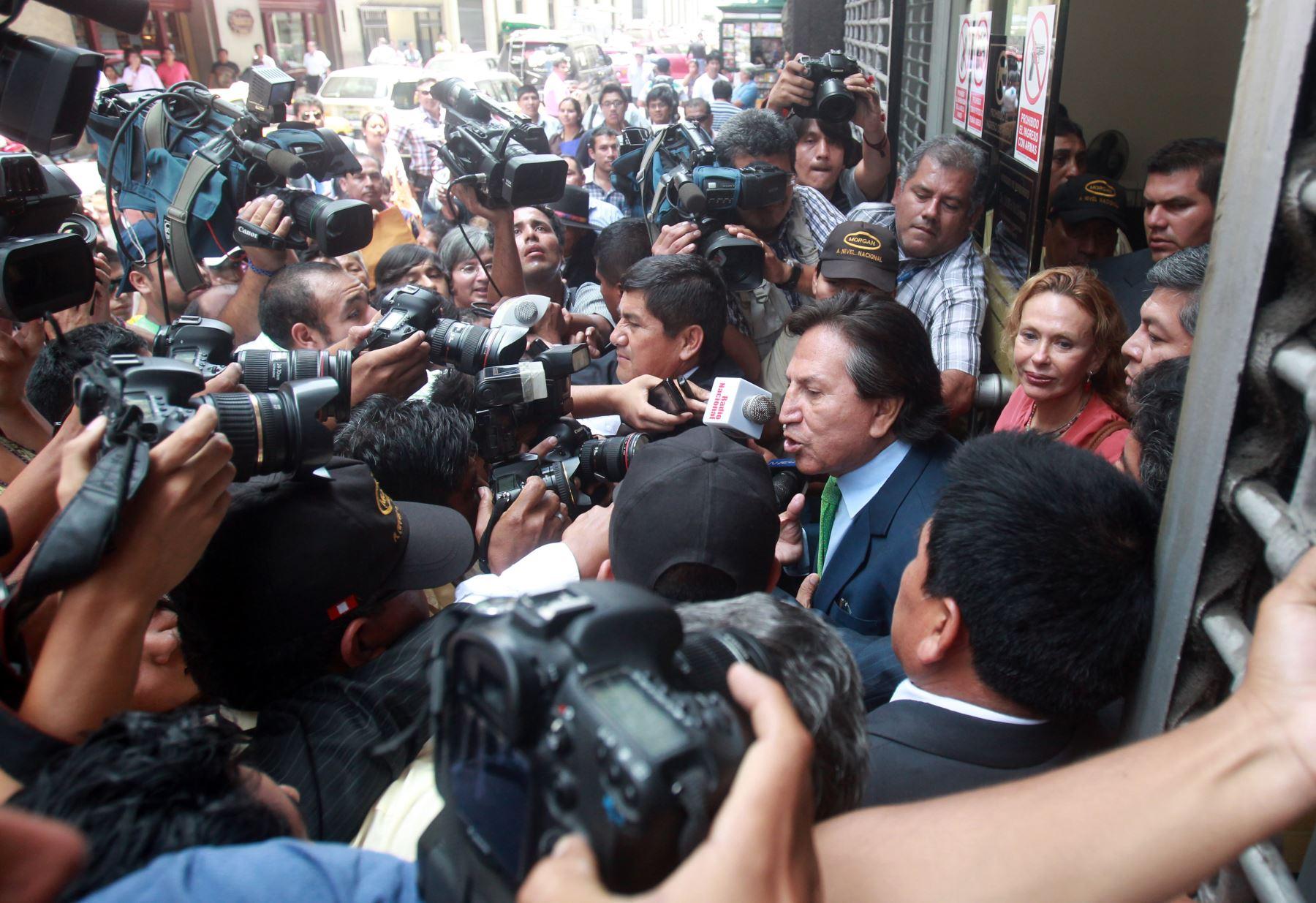 LIMA, PERÚ - FEBRERO 06. Declaraciones del expresidente Alejandro Toledo, tras su salida del Ministerio Publico por investigación de caso Ecoteva.  Foto: ANDINA/Melina Mejía