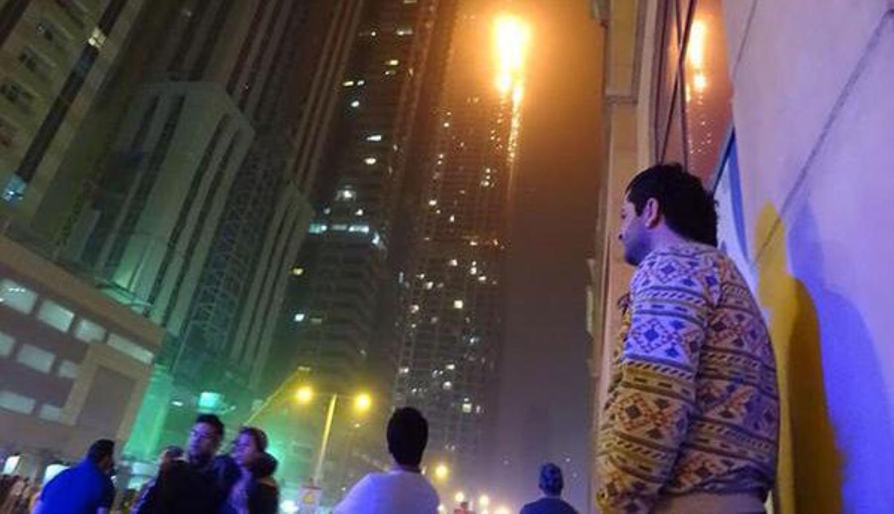 Incendio en rascacielos de Dubai. Foto: Internet.
