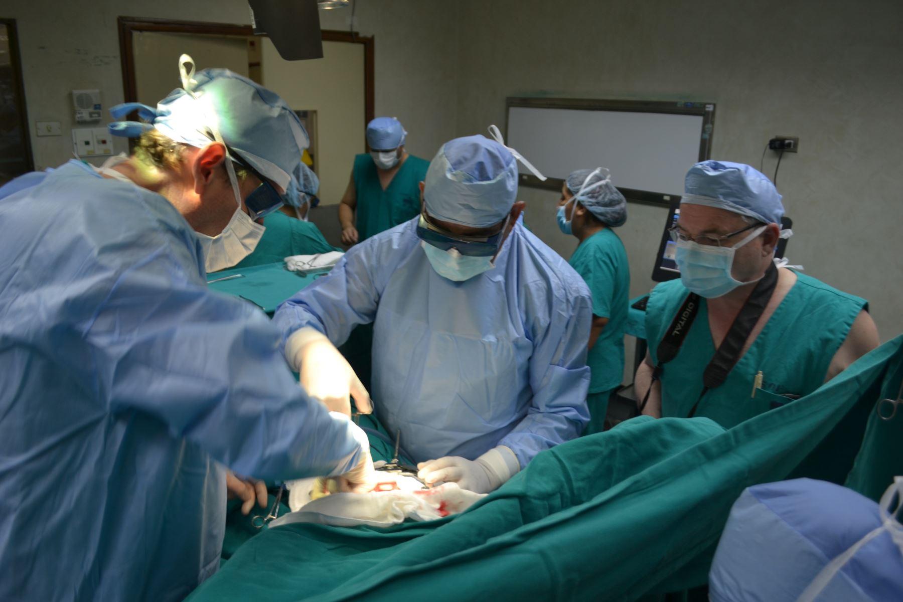 Cirugía Láser- Cáncer Pulmón - INEN