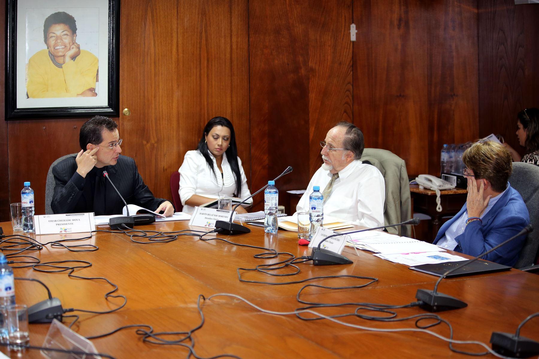 Sesión de la Comisión Especial de Seguimiento Parlamentario al Acuerdo de la Alianza del Pacífico, que preside el congresista Omar Chehade. Difusión