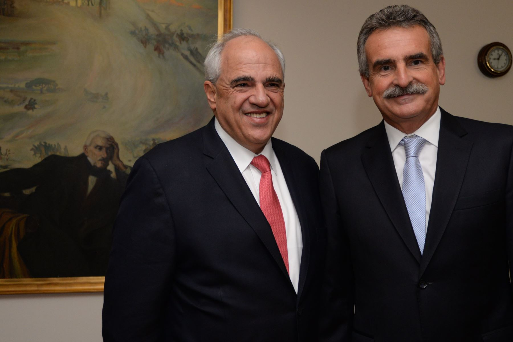 El ministro de Defensa de Argentina, Agustín Rossi, y el secretario general de la Unión de Naciones del Sur (Unasur), Ernesto Samper. Difusión