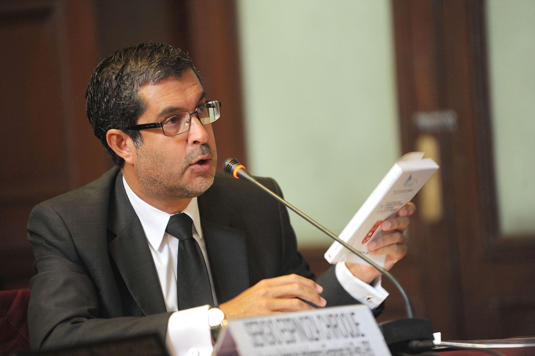 Superintendente adjunto de la Unidad de Inteligencia Financiera (UIF), Sergio Espinoza. ANDINA/Difusión