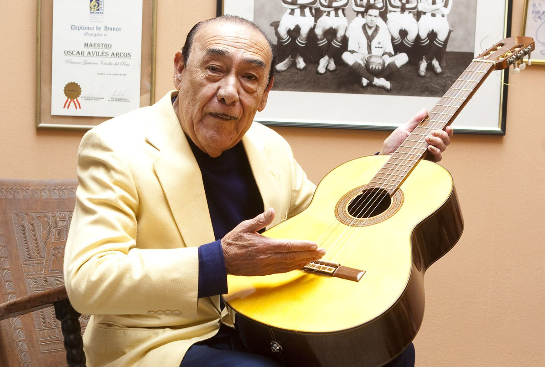 Resultado de imagen para Fotos de Oscar Avilés