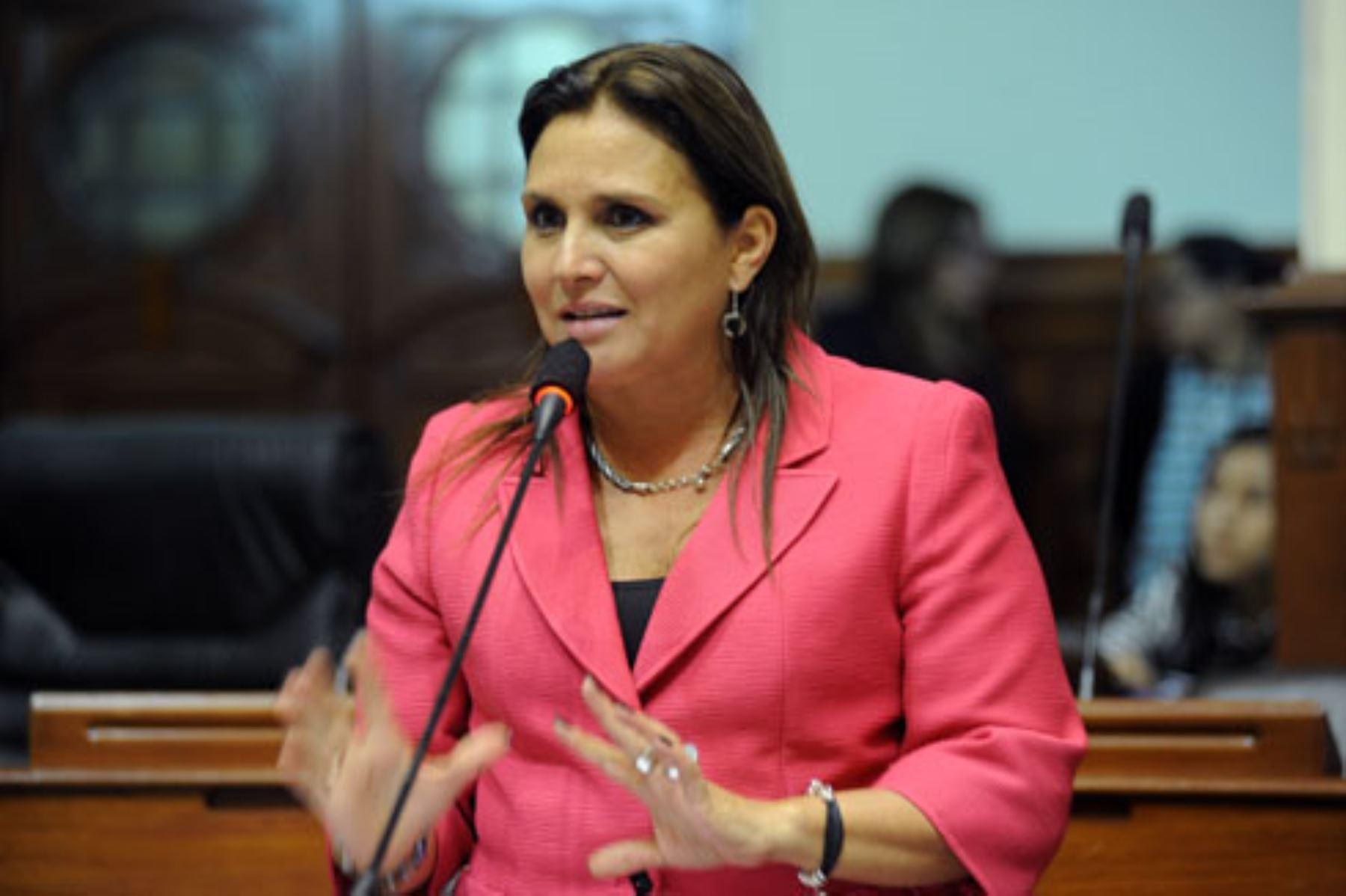 Resultado de imagen para Marisol Pérez Tello