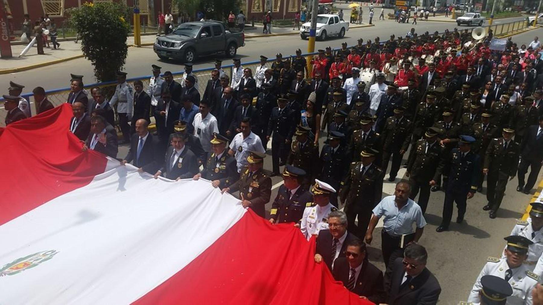 Alcalde de Chiclayo reafirmó compromiso de lograr la recuperación de la ciudad.