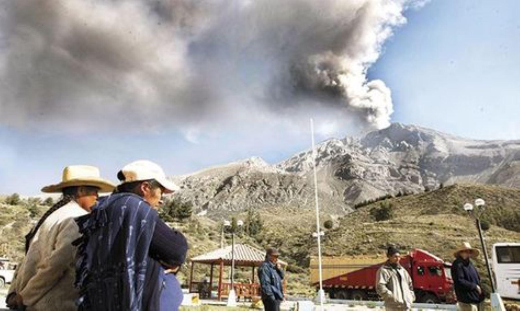 Explosión del volcán Ubinas afectará a localidades cercanas. ANDINA/Archivo
