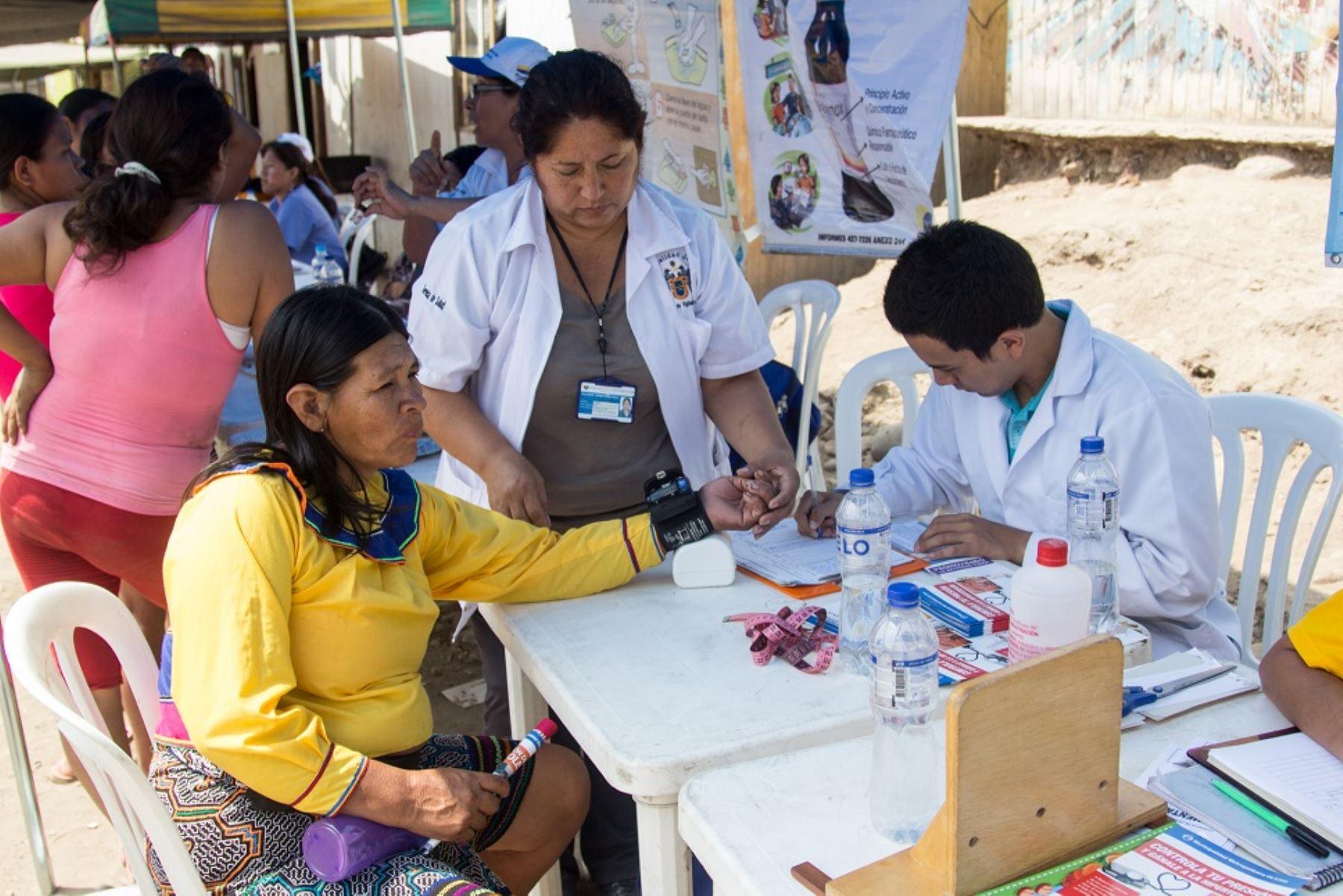 Campaña de salud en Cantagallo.
