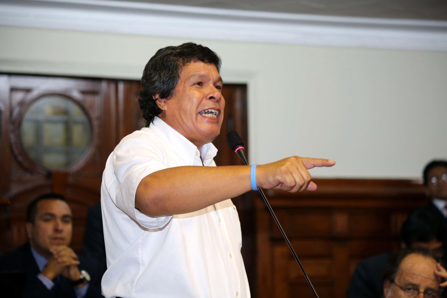 Congresista Heriberto Benítez.