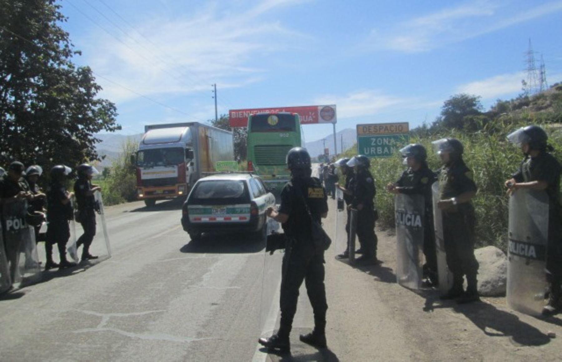 Policía inicia operativo para desbloquear el corredor minero en Chumbivilcas. Foto: ANDINA/archivo.