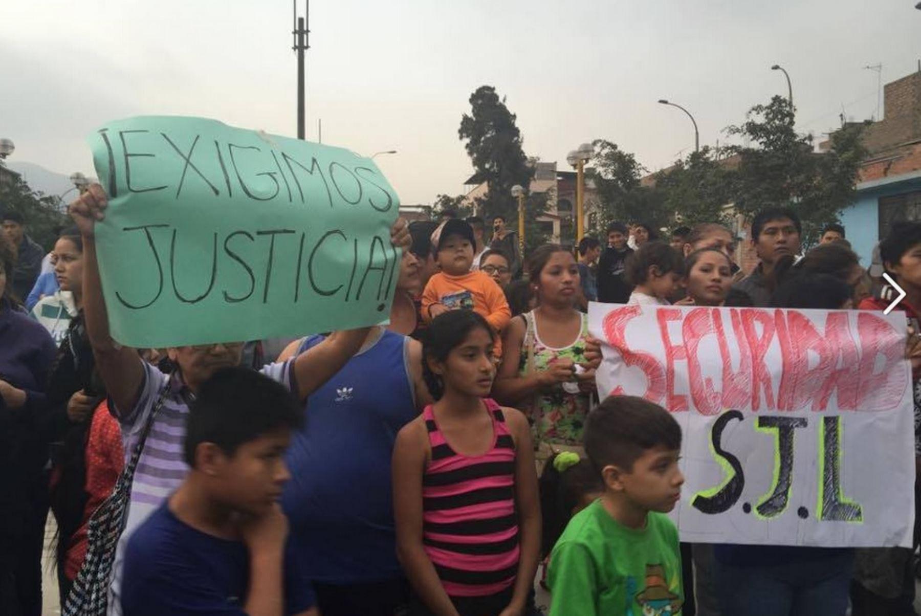 Habitantes piden justicia y más seguridad. Foto: Esther Vargas/Andina