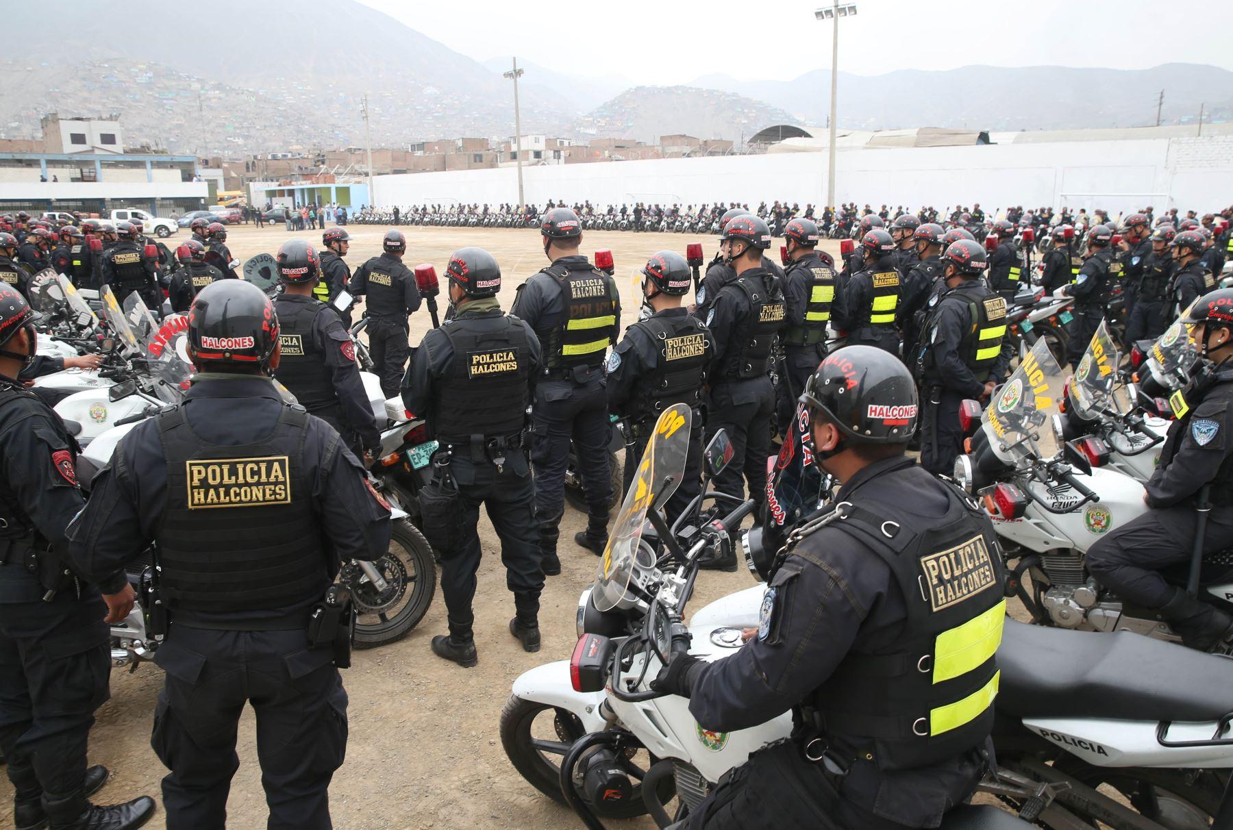 Fortalecen seguridad ciudadana en San Juan de Lurigancho con 400 policías y 200 motos desplegados por Región Policial Lima. ANDINA/Oscar Farje