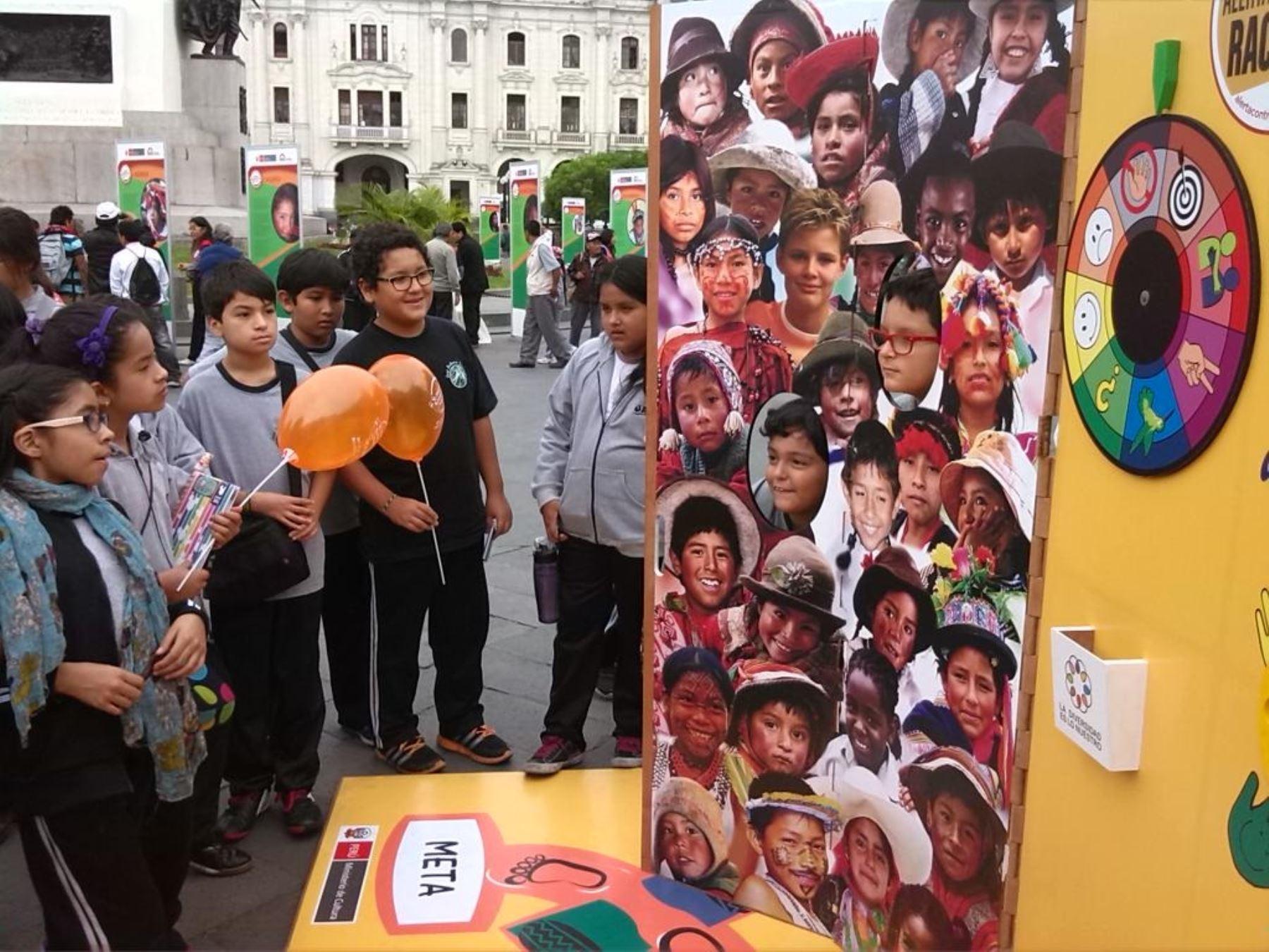 Día de las Lenguas Originarias en el Perú.
