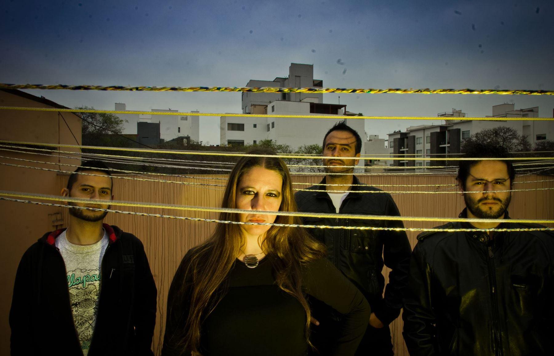 Ni Voz Ni Voto tiene 5 discos en estudio, todos influenciados por el estilo conocido como nu metal.