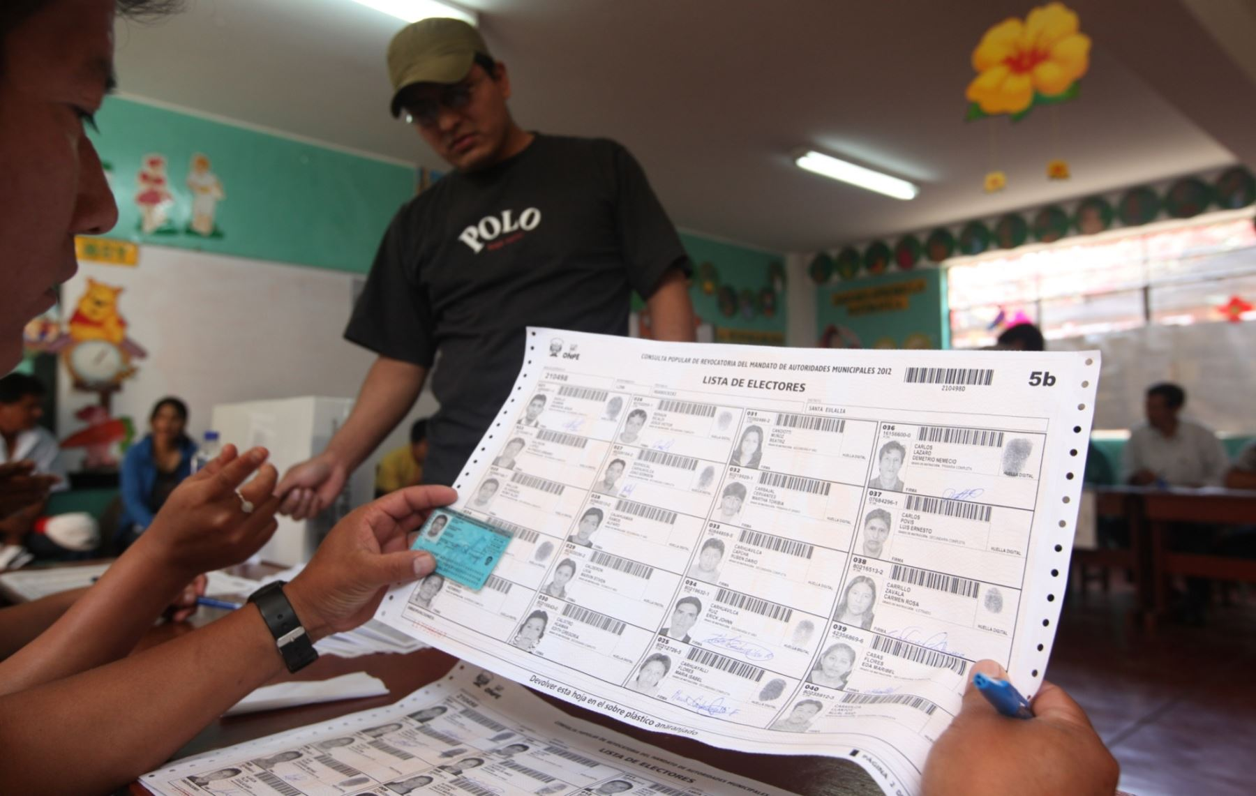 Disponen que Reniec envíe padrón electoral inicial hasta el 11 de noviembre