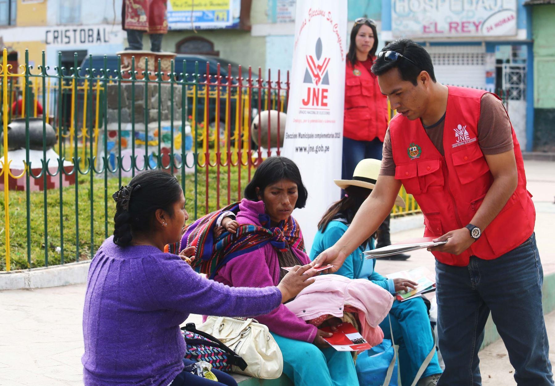 Coordinadores de Acciones Educativas sensibilizan a la ciudadanía.