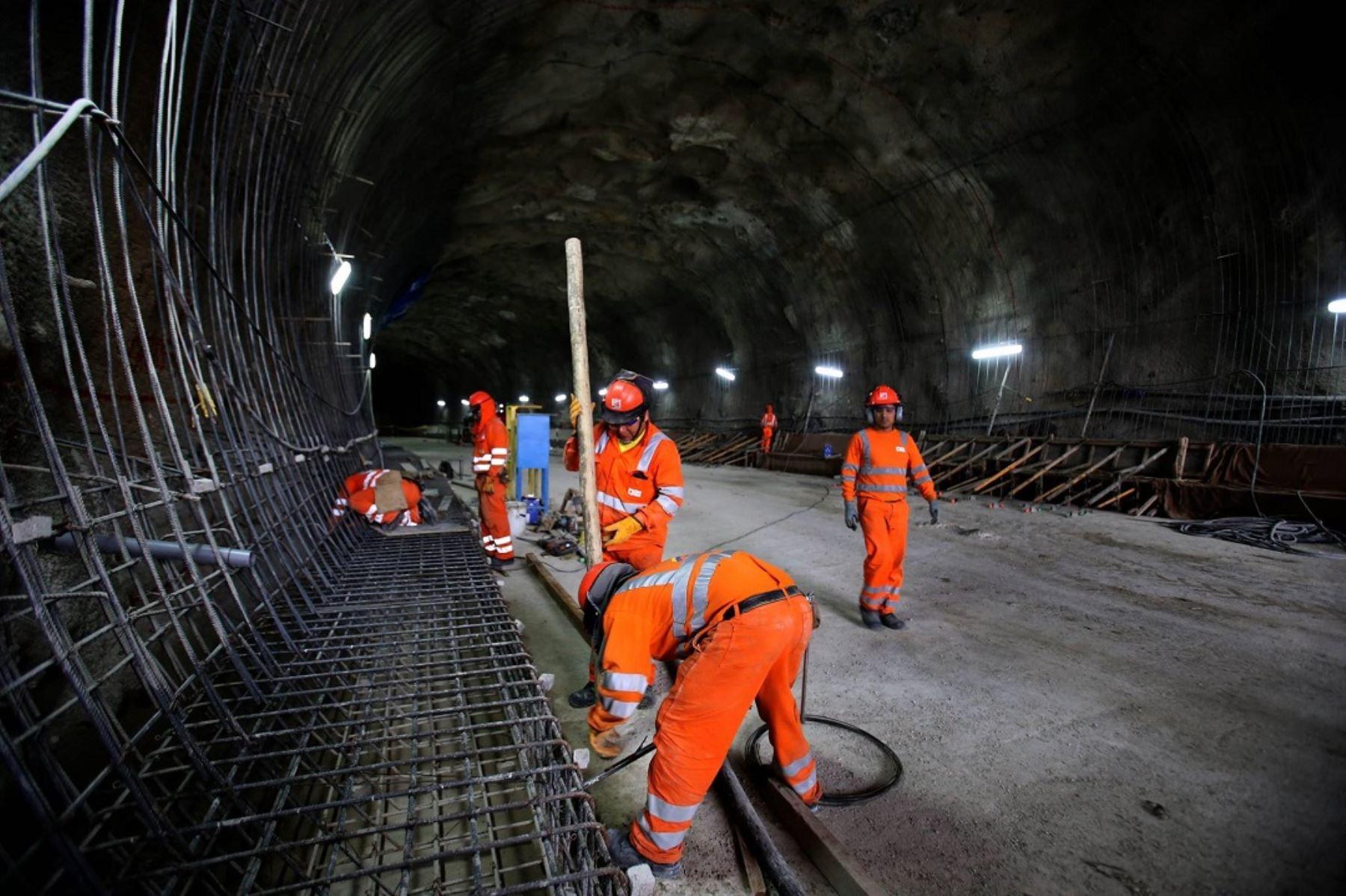 Construcción de túneles Santa Rosa y San Martín, que unirán distritos del Rímac y San Juan de Lurigancho.