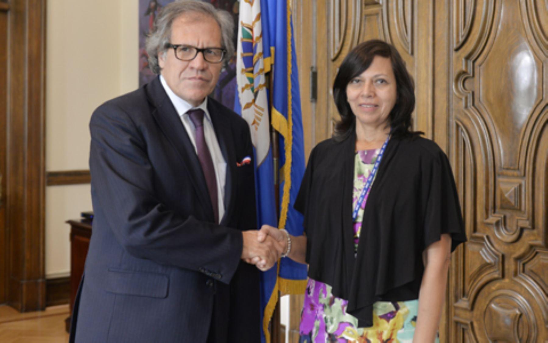 El Secretario General de la OEA, Luis Almagro, se reúne con canciller Ana María Sánchez