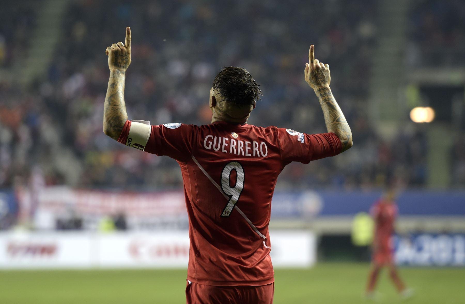 Paolo Guerrero cerca de ser el goleador histórico de la selección