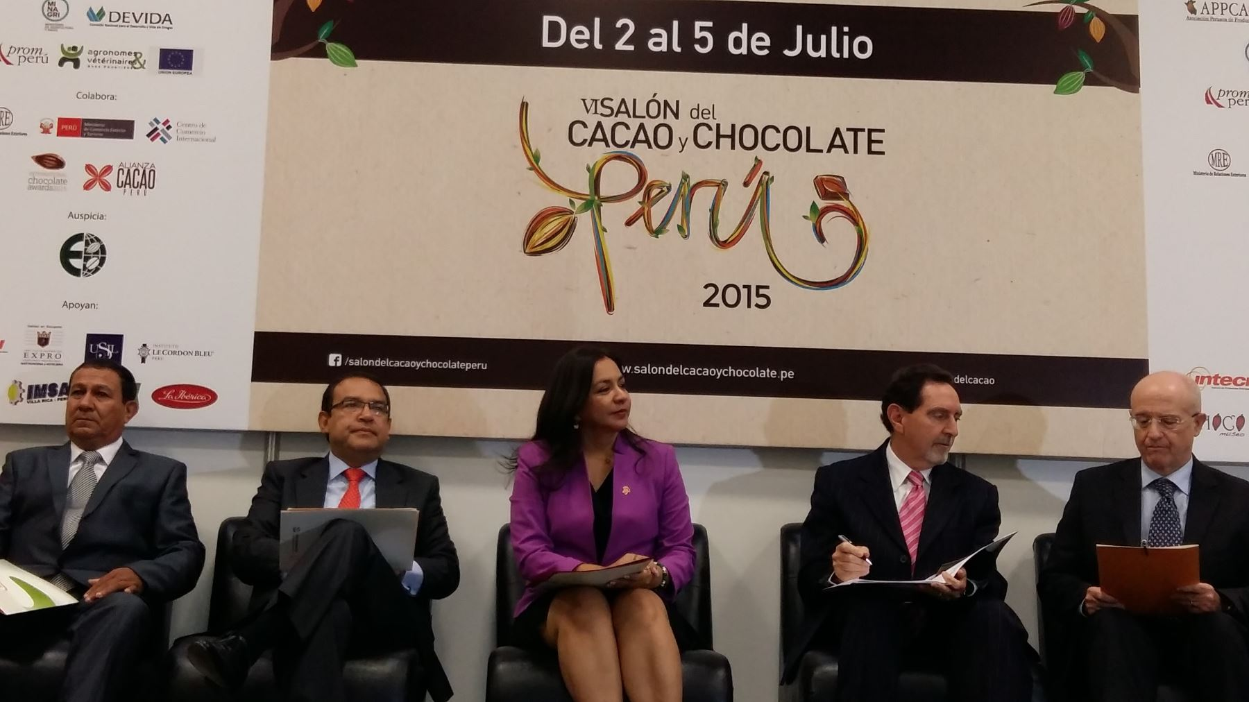 La vicepresidenta Marisol Espinoza participó en la  inauguración del VI edición del Salón del Chocolate. Difusión