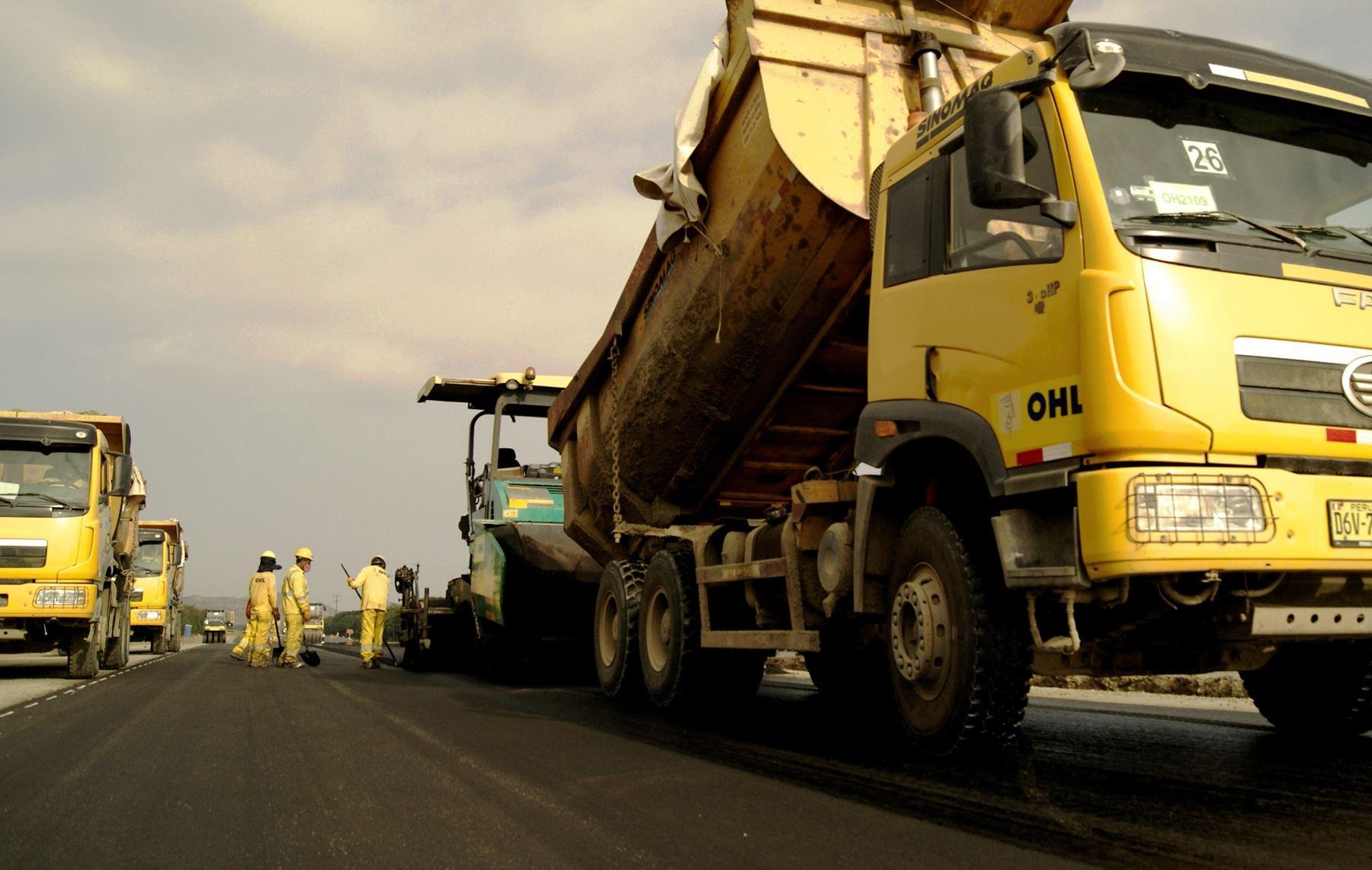 Asfaltado de la carretera Andahuaylas-Huancabamba, en Apurímac, beneficiará a los productores de la zona.