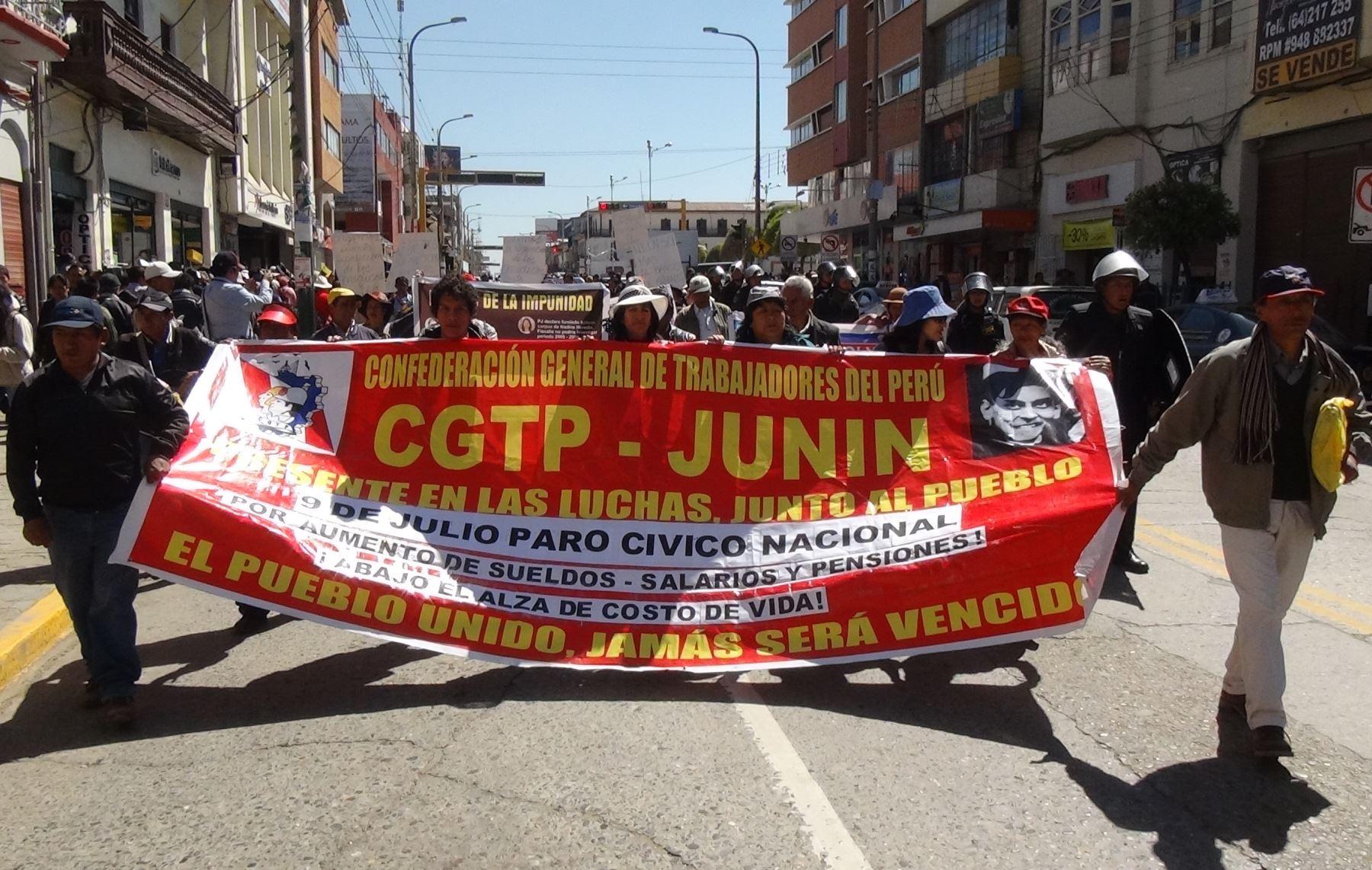 Marcha convocada por la CGTP degeneró en algunos actos de violencia. ANDINA/Pedro Tinoco