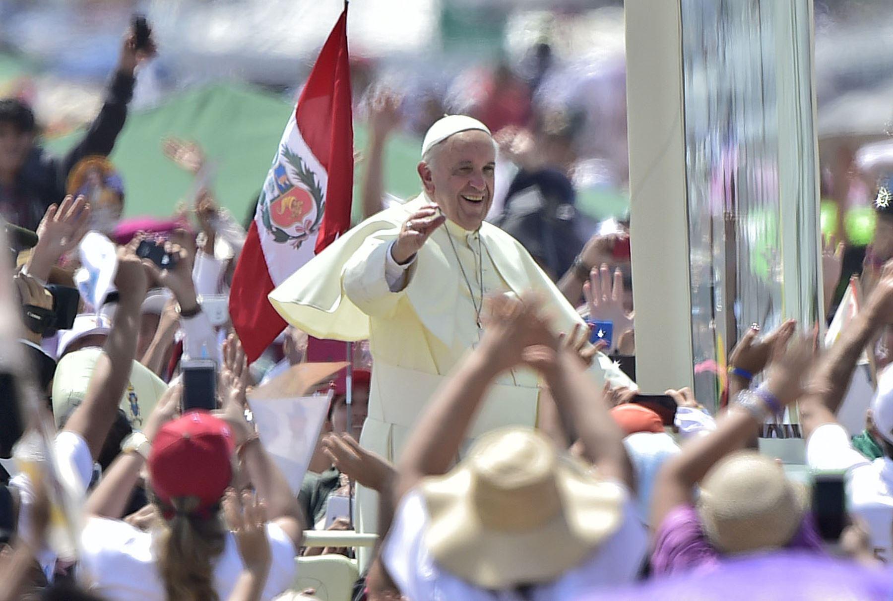 A la fecha suman 34 las imágenes veneradas por la feligresía católica procedentes de Piura, Lambayeque, Cajamarca, Amazonas, y Áncash que estarán presentes en el gran recibimiento que el norte peruano hará al Papa Francisco durante su visita pastoral a Trujillo. AFP