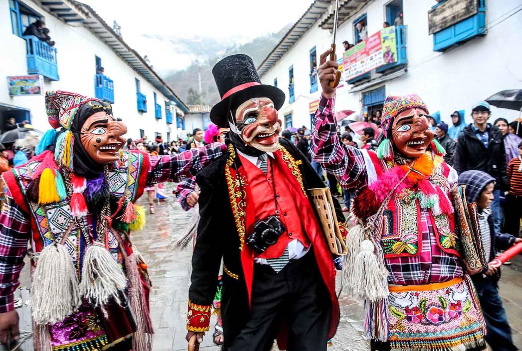 Cusco revive estampa que narra cómo la Virgen del Carmen se quedó en Paucartambo. ANDINA/Carlos Lezama