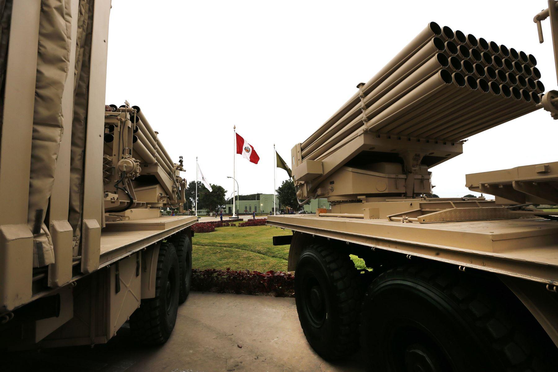 Lanzadores Múltiples de misiles 90B, adquiridos por el Perú.