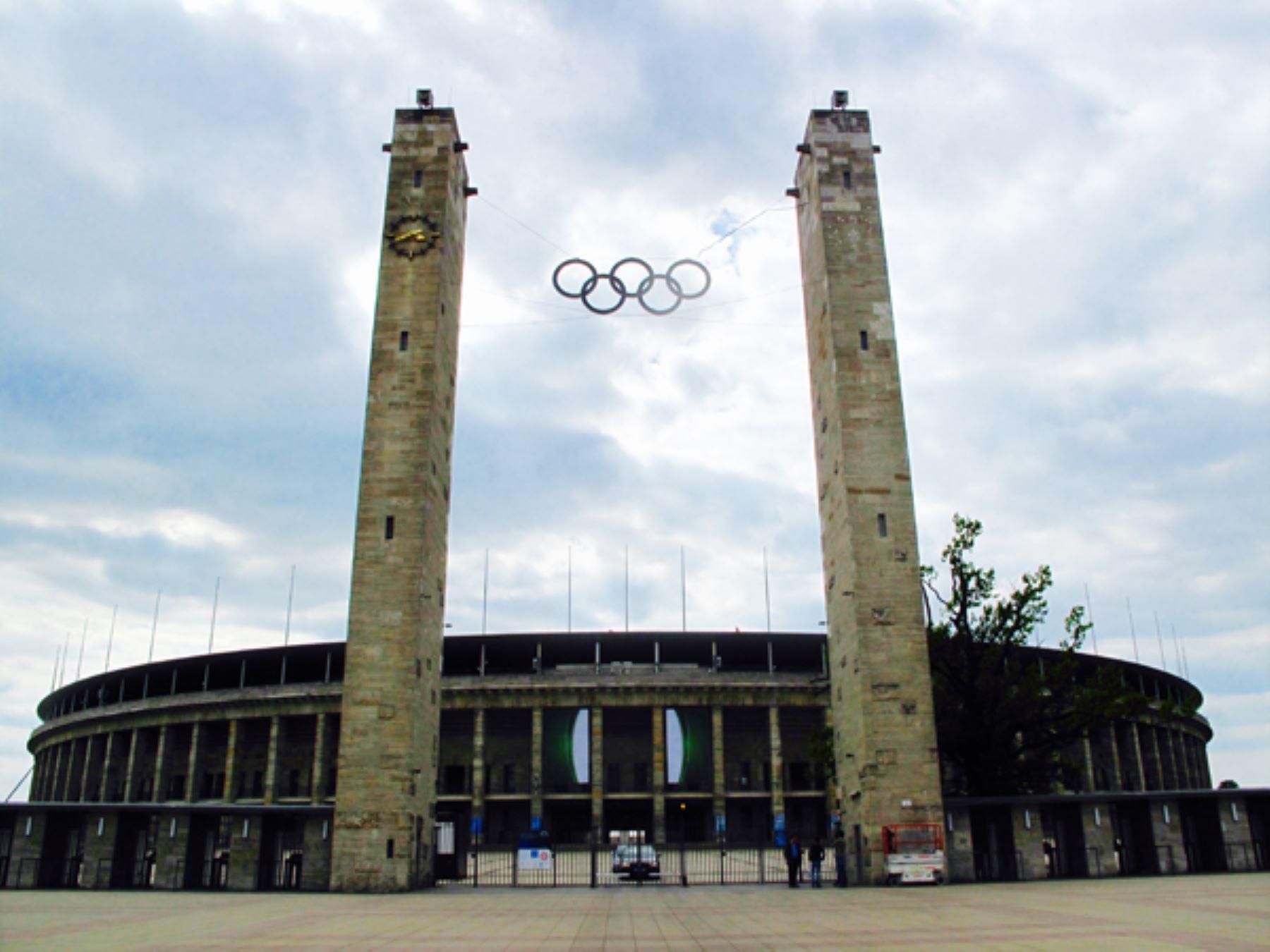 Puerta principal del Estadio Olímpico de Berlín. Foto: INTERNET / Medios