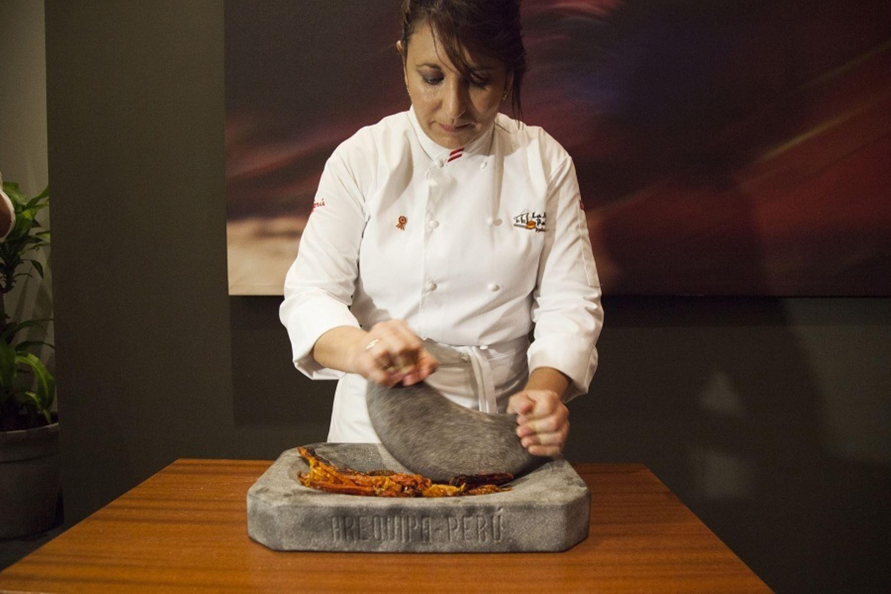 Monica Huerta en festival gastronómico en ciudad italiana de Milán.