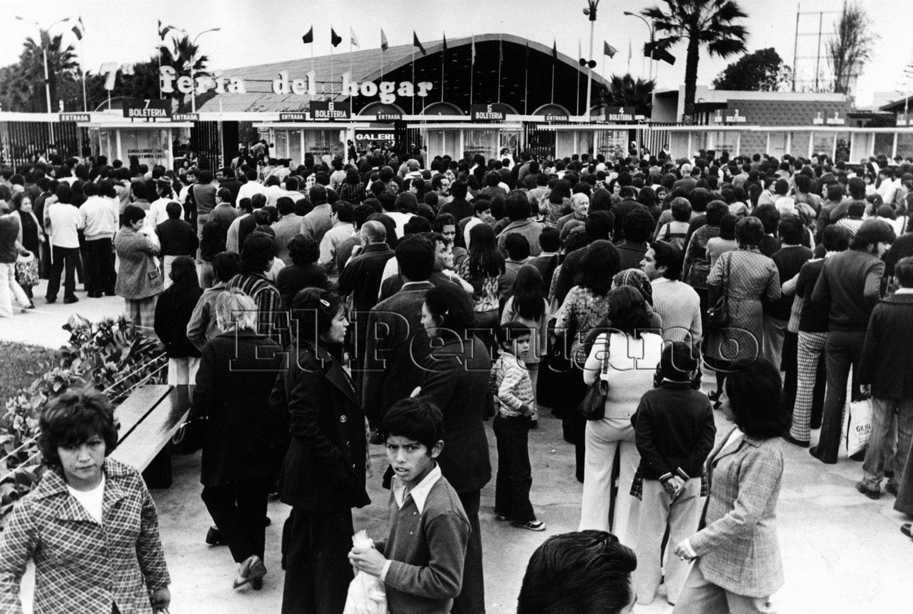 En estas fotografías del archivo histórico del Diario Oficial El Peruano se puede apreciar la euforia que desataba la recordada Feria del Hogar. Foto: Archivo Histórico El Peruano
