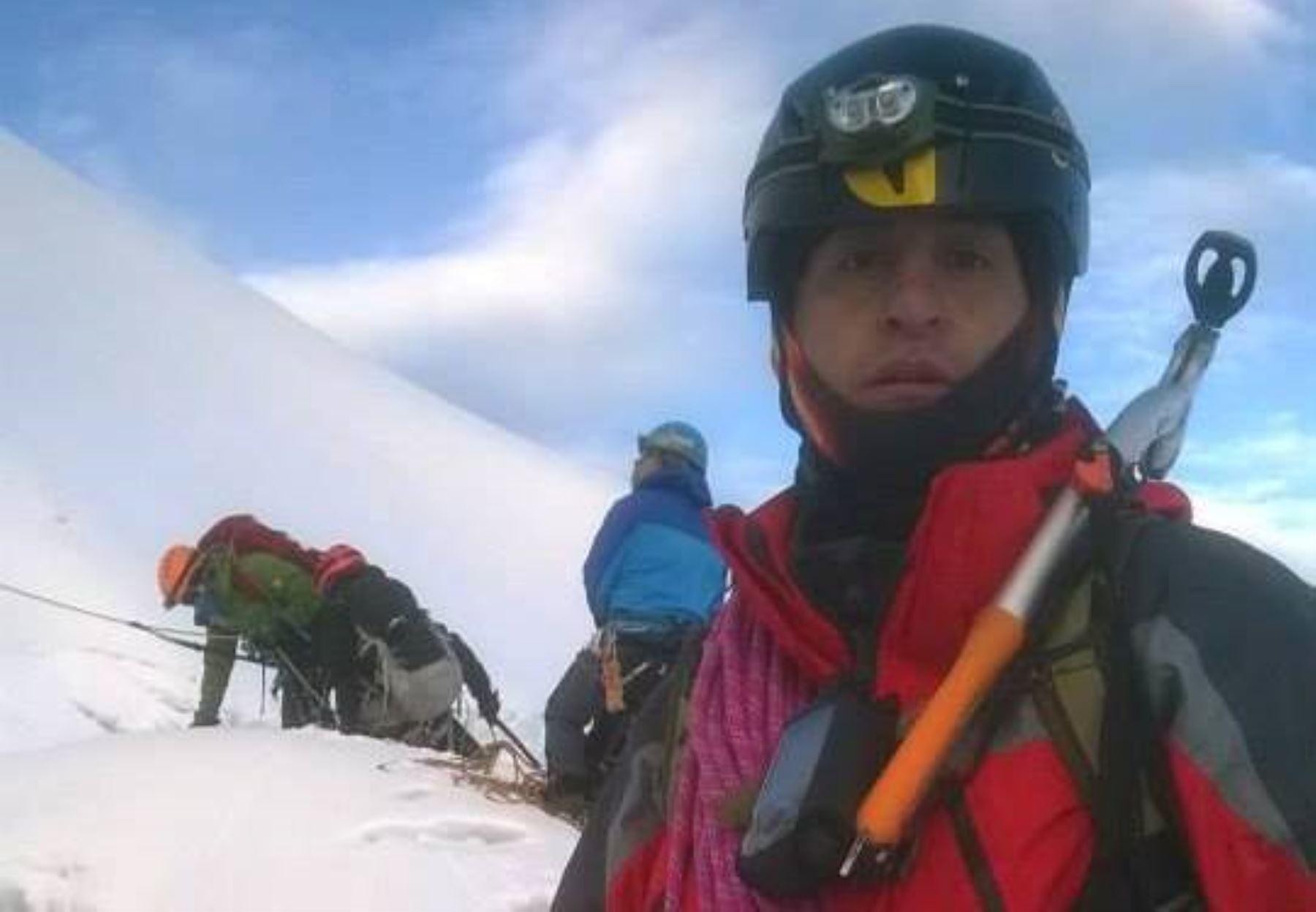 Foto de uno de los montañistas ecuatorianos que fallecieron cuando escalaban el nevado Huascarán, en Áncash. Foto: Viajeros Ecuador.
