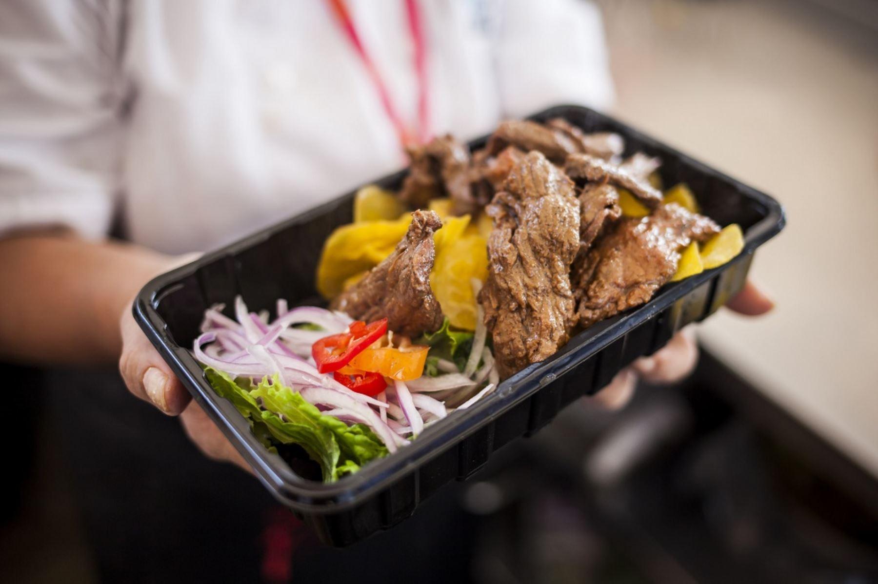 Platos emblemáticos de la cocina regional como seco de chavelo deleitarán al público que asista a la octava edición de Mistura, a realizarse del 4 al 13 de setiembre próximo.