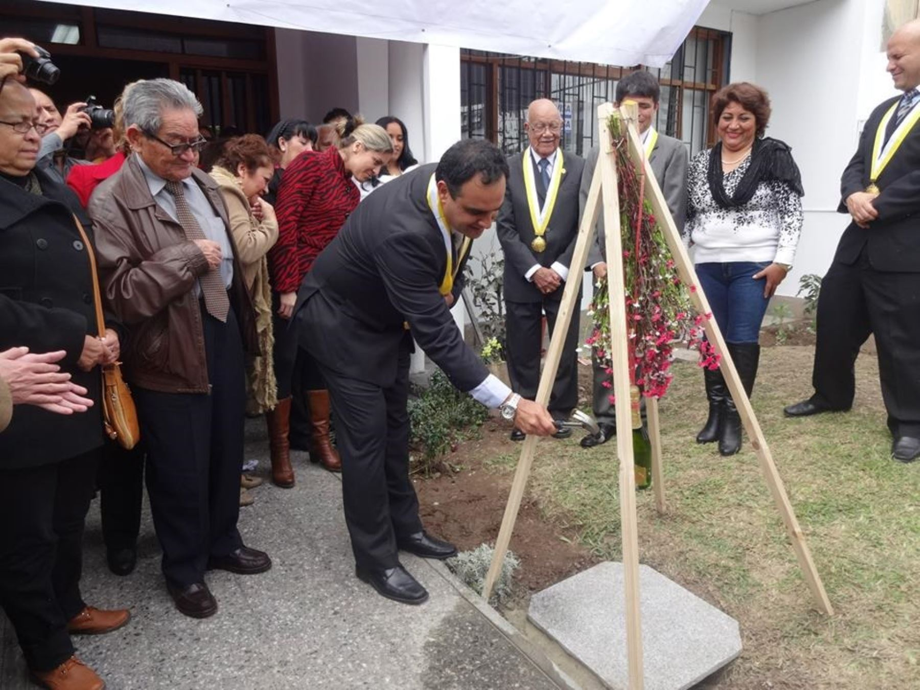 Alcalde de Pueblo Libre, Jhonel Leguía, anunció próxima construcción de Policlínico Municipal y servicio de ambulancia las 24 horas.